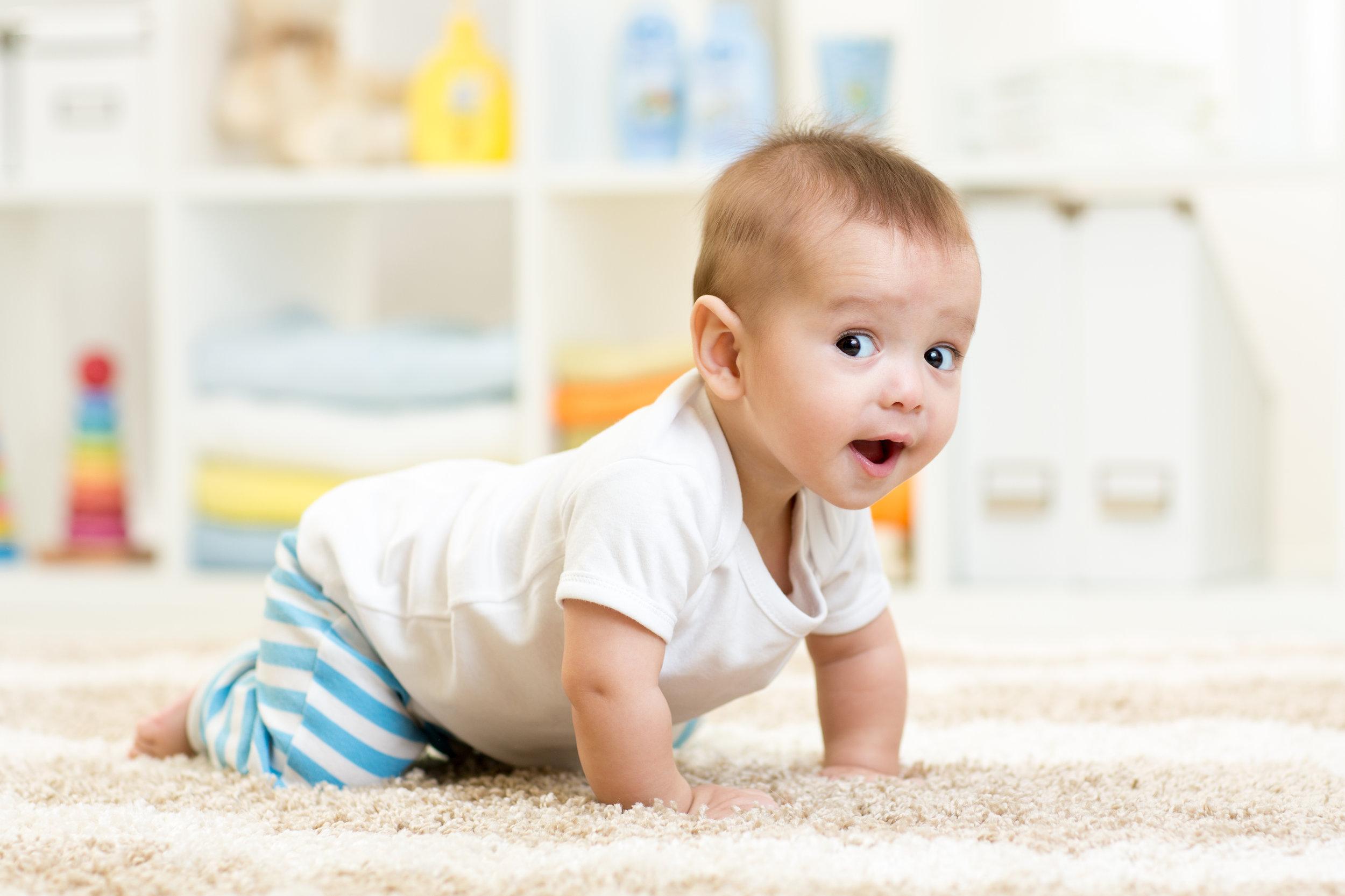 crawling_baby_boy_indoors.jpeg