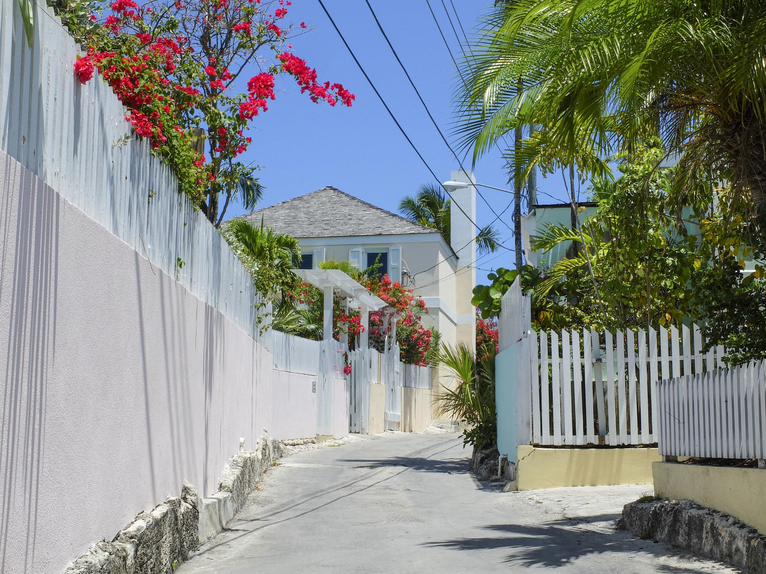 Harbour Island Street (6).jpg