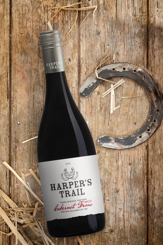 harpers-trail-winery-branding-bottle
