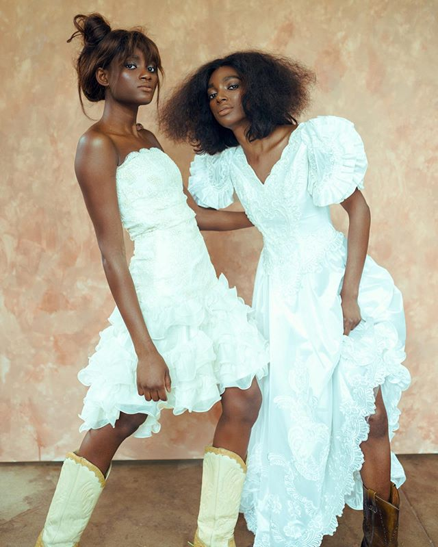 Texas Yeehaw meets Malian beauty 🇲🇱 . Models @cokerada and @awishkalovely❤️♥️ wearing @lulabsfashion @dachoche 💎 Hair and makeup by the brilliant @miguelofdallas 🙌🏾 At @thetxstudio  Styling and photography by yours truly🤷🏾♂️ . #obislens #dallasphotographer