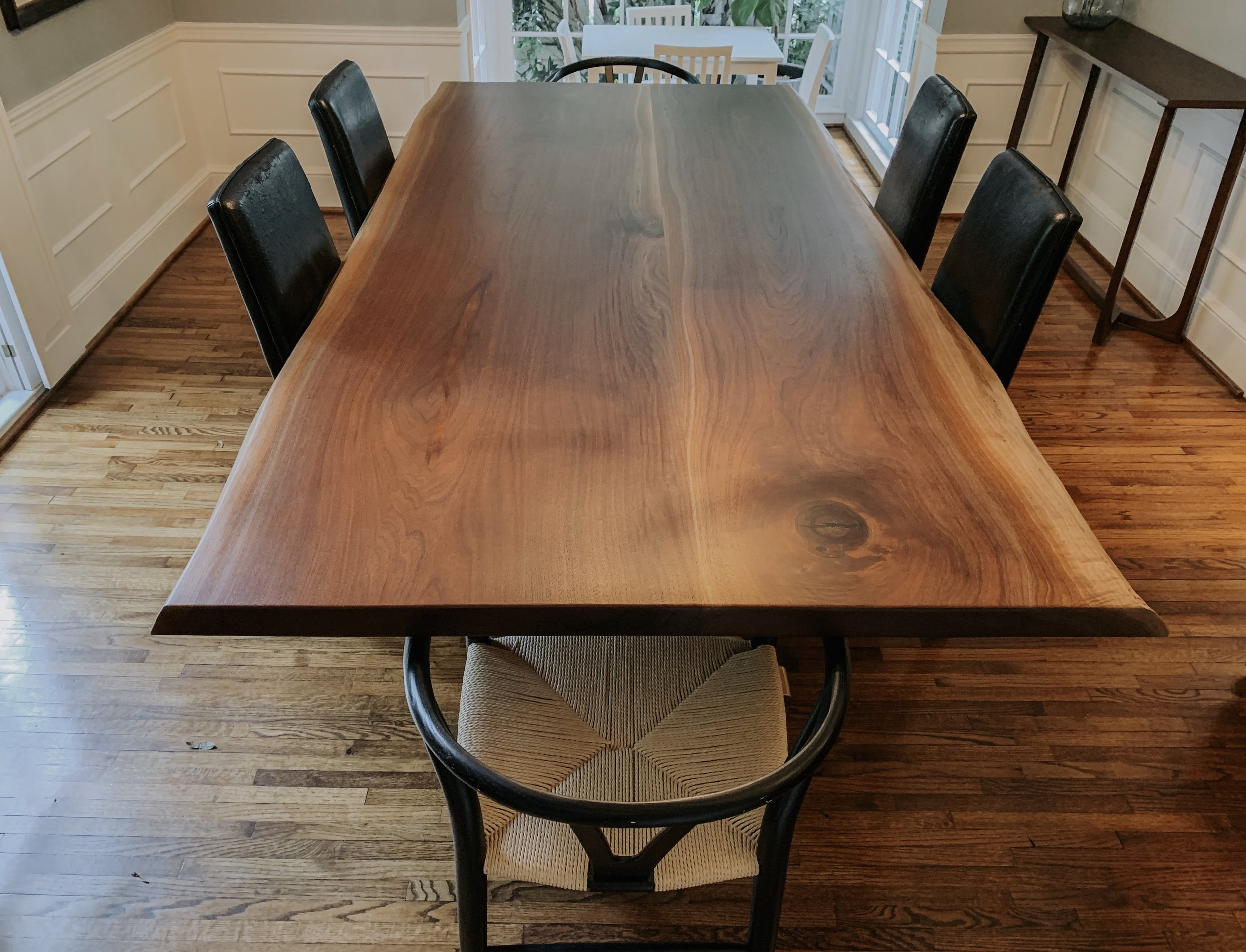 Species: Walnut    Live edge dining table