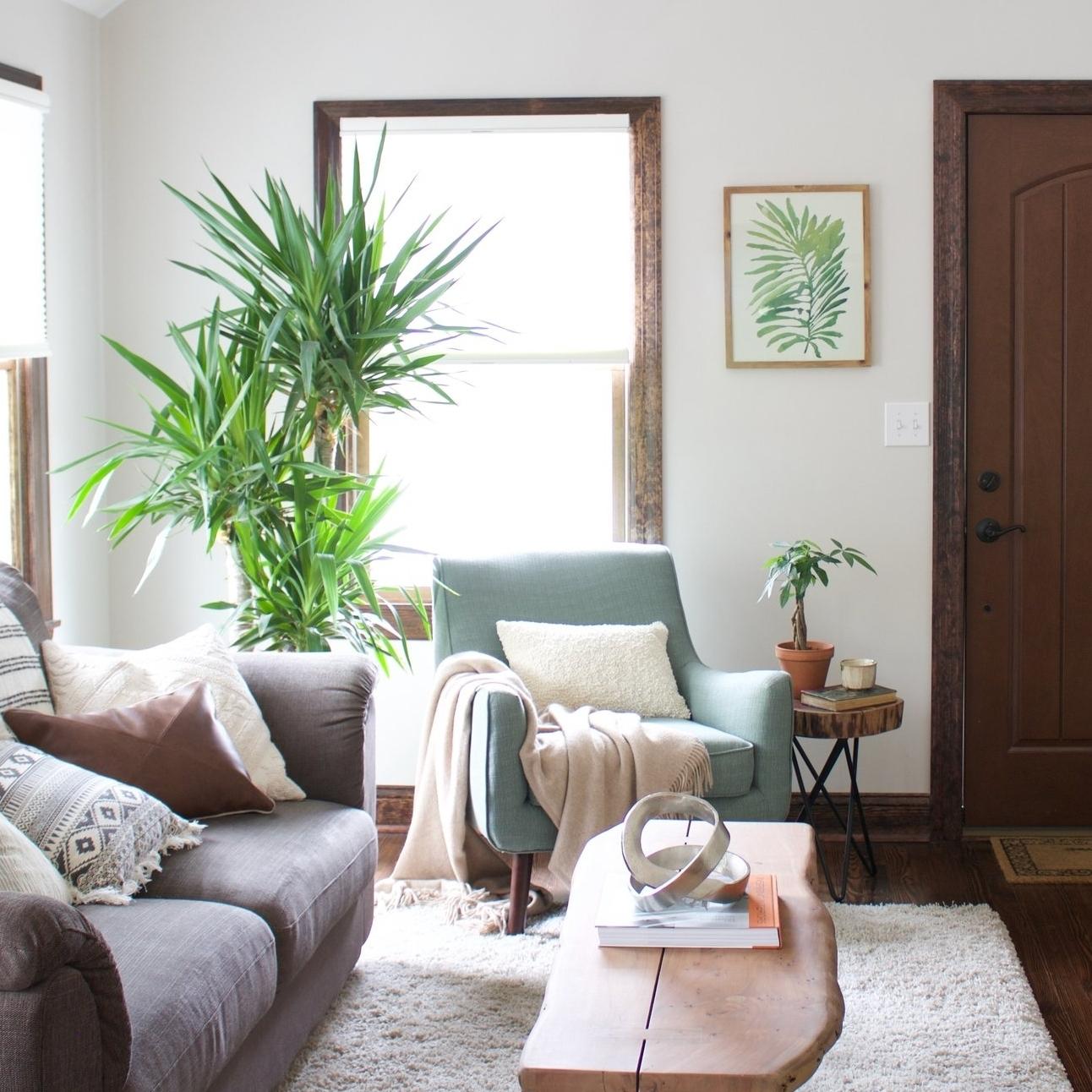 Modern Farmhouse Open Living & Dining Room -