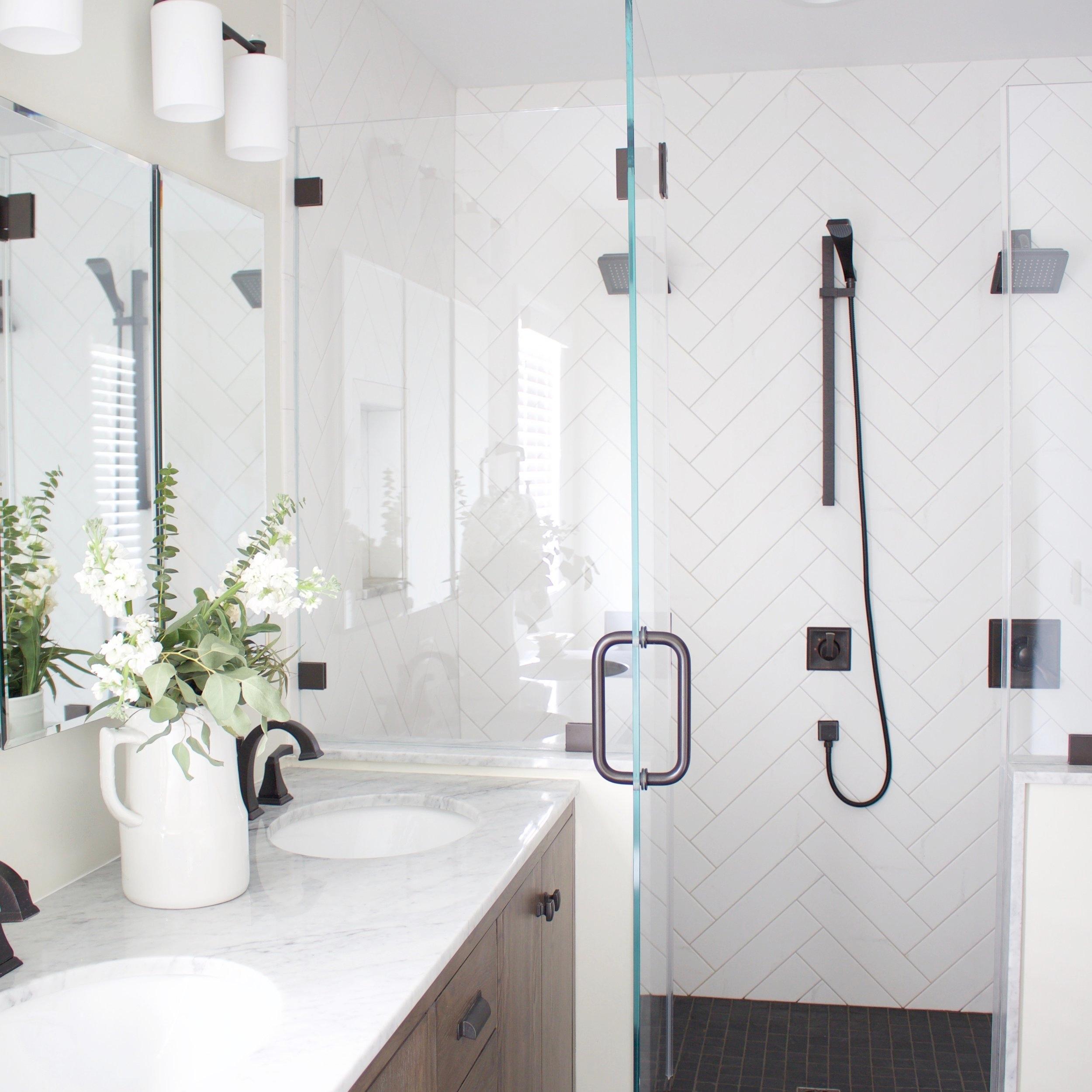 Modern Farmhouse Bathroom -