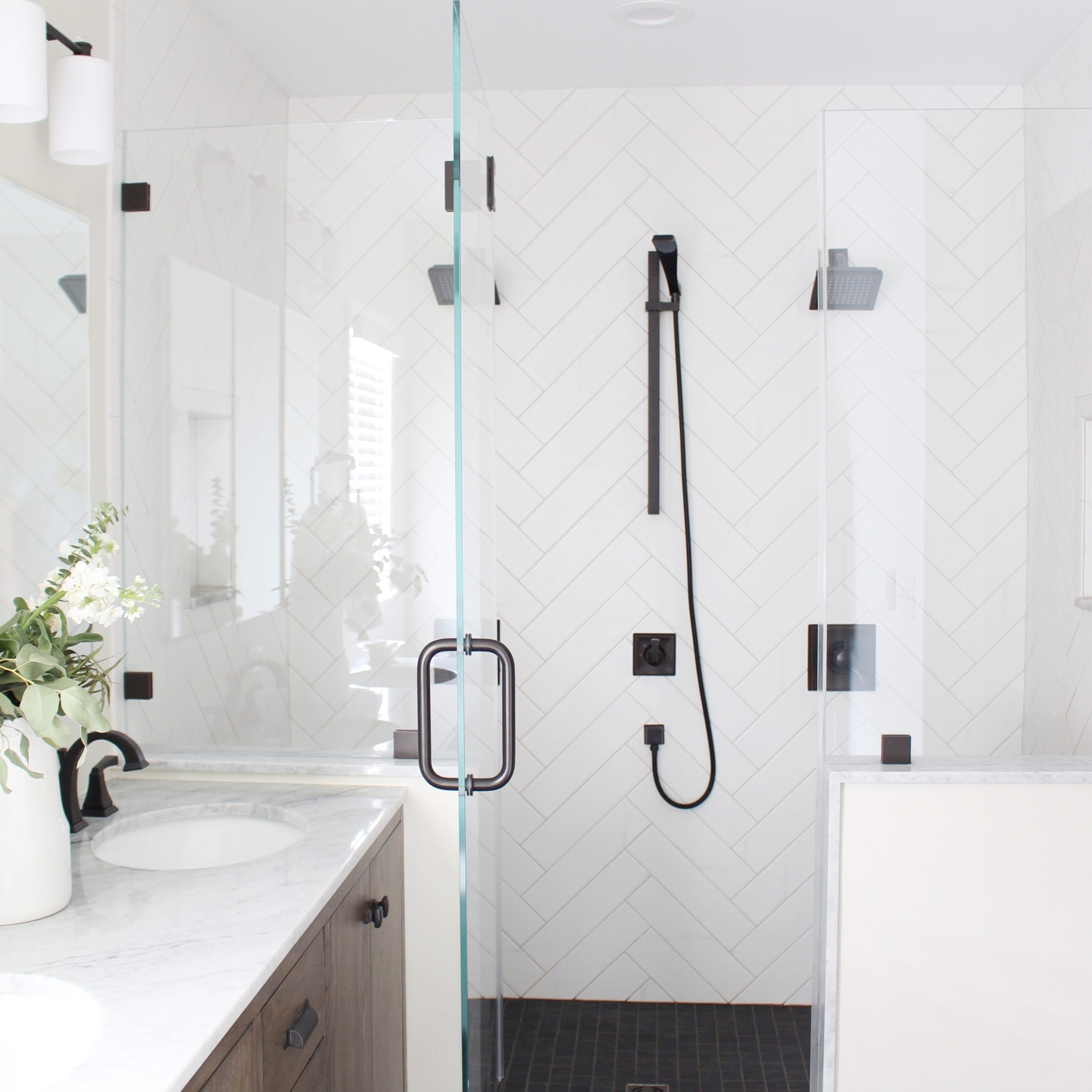 Modern Farmhouse Bathroom -