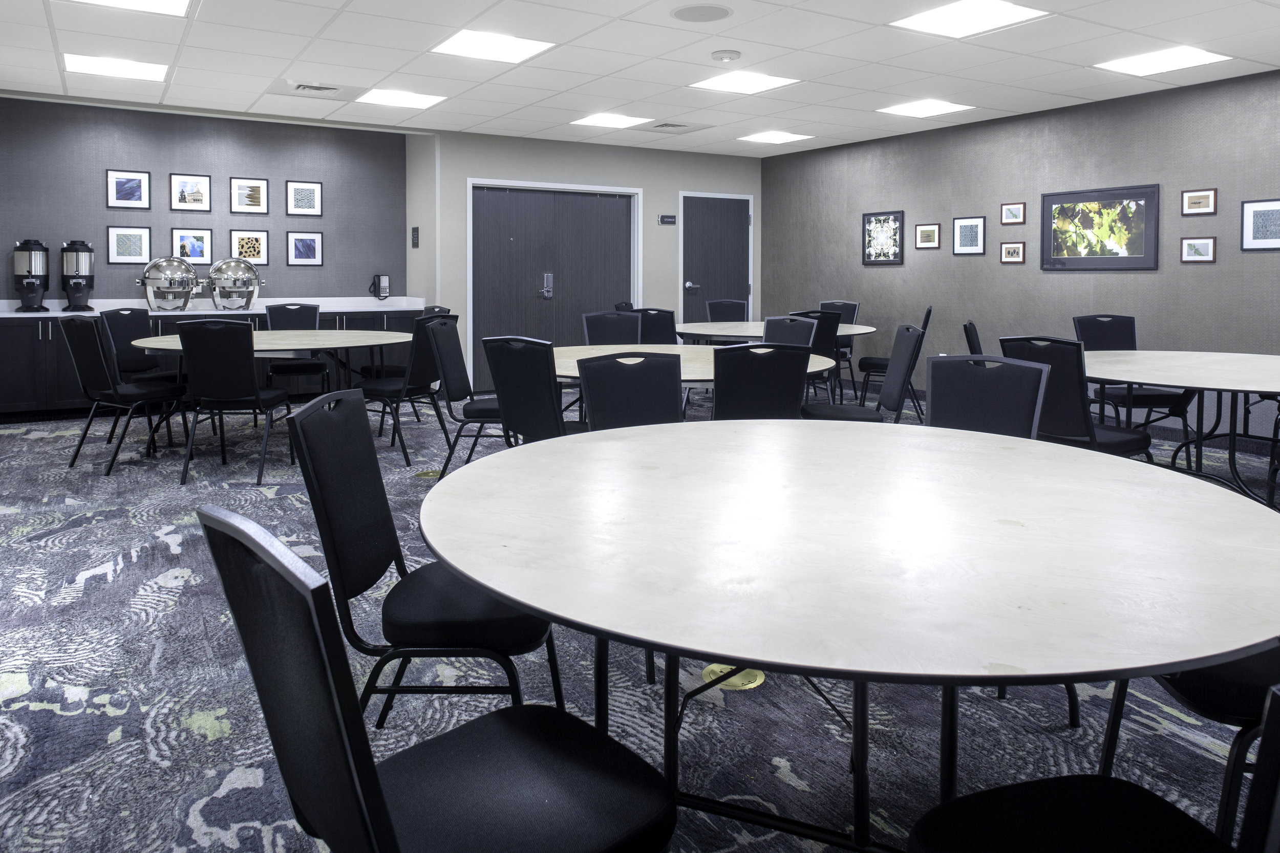 Meeting space (rounds).jpg