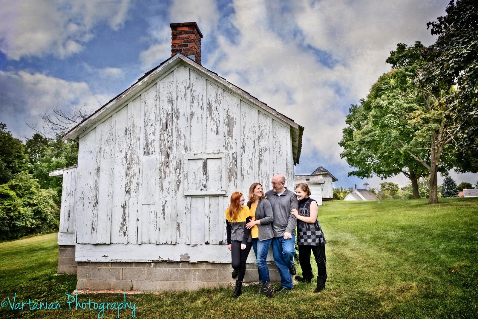 Fall-Family-photos-Vartanian-Photography-Green-Meade-1.jpg