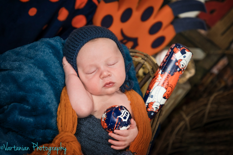 Livonia-Newborn-photographer-Vartanian-photography-35.jpg