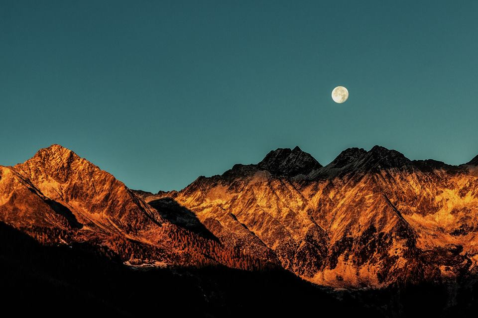 Full moon gathering taurus.jpg