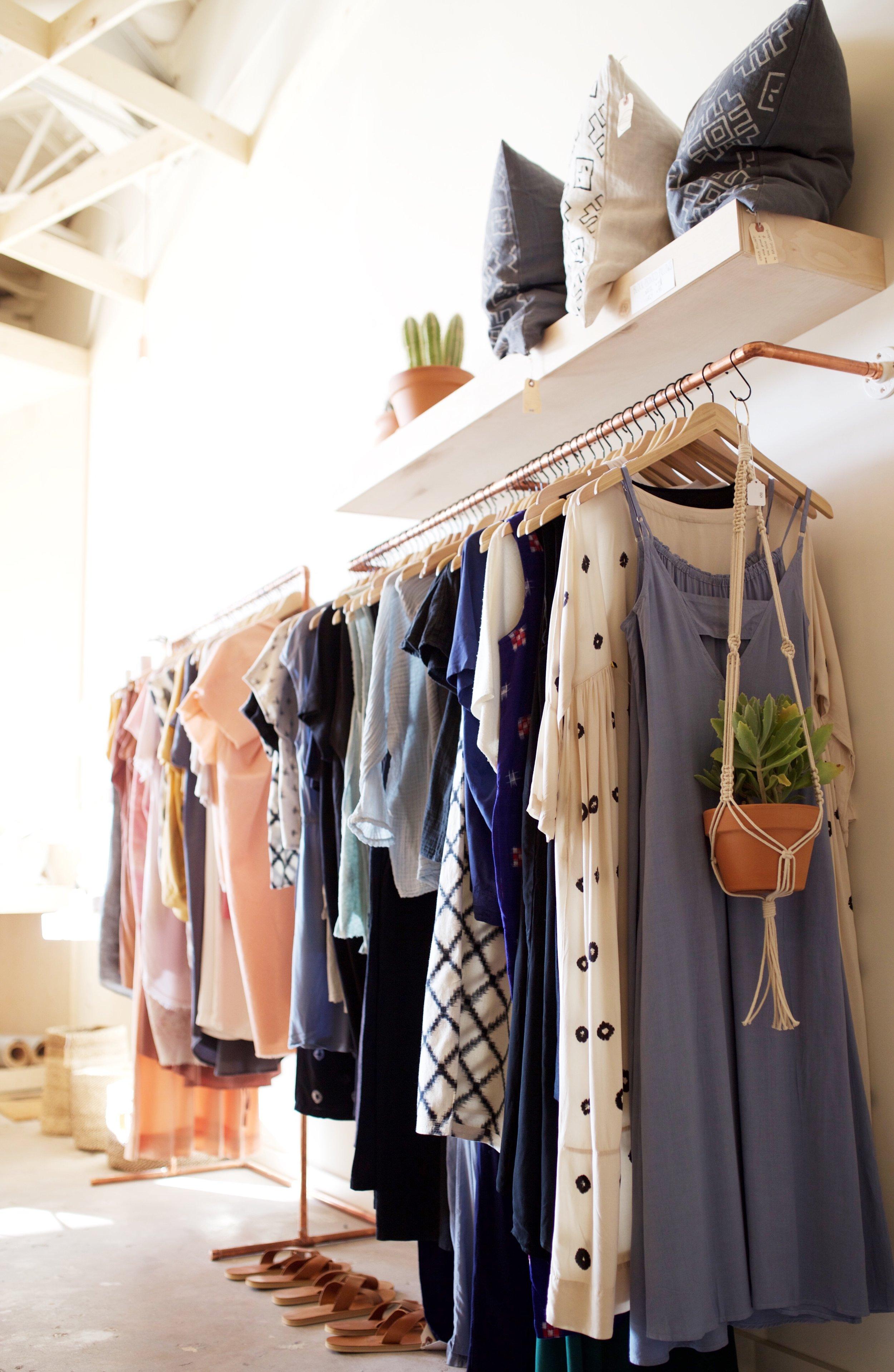 small clothing boutique interior design ideas