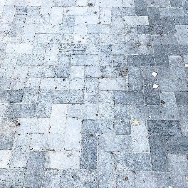 Texture 💗 | Discovered this beautiful  Residential Walkway in the Streets of Hurlstone Park, Sydney. . . . . #streetstyle #residentialarchitecture #residential #sydneystyle #sydneyarchitecture #urbanphotography #herringbone #stone #granite #homesweethome #tiles #tiler #tilers #grey #greytiles #outdoordesign #suburban #hurlstonepark #sydneytiler #sydney #surfacetilessydney