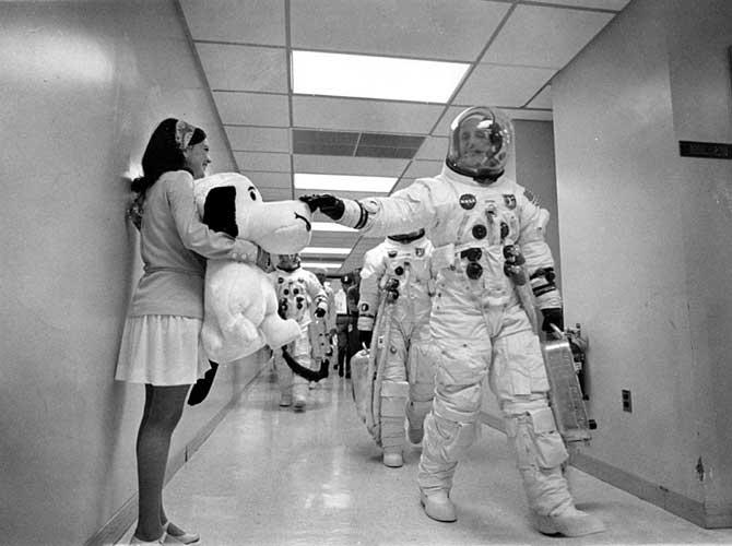 Snoopy-and-Apollo-10-crew.jpg