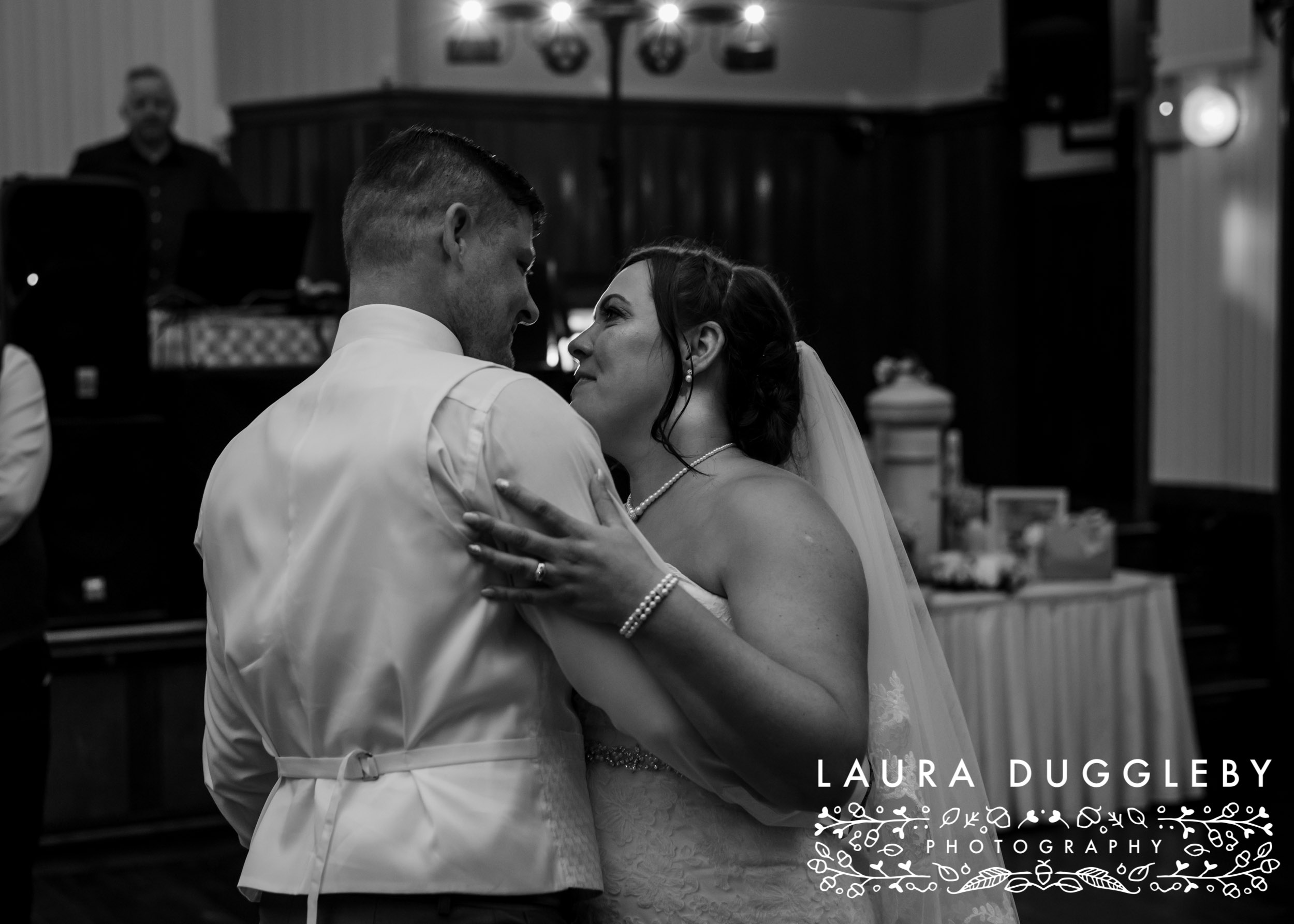 Elizabethan Suite Bury Town Hall - Manchester Wedding Photographer17