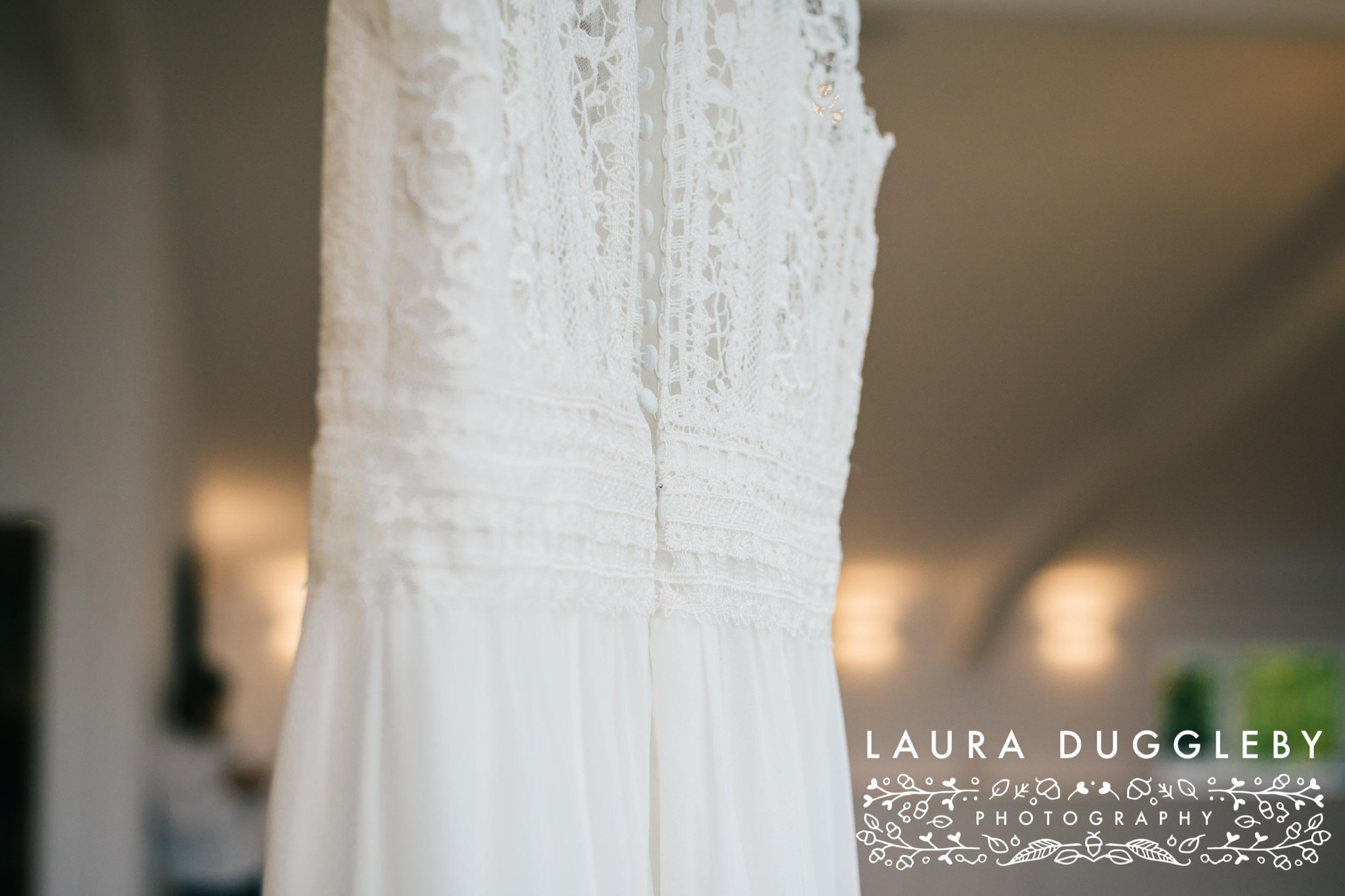 Thornton Hall Country Park - Wedding Photographer5