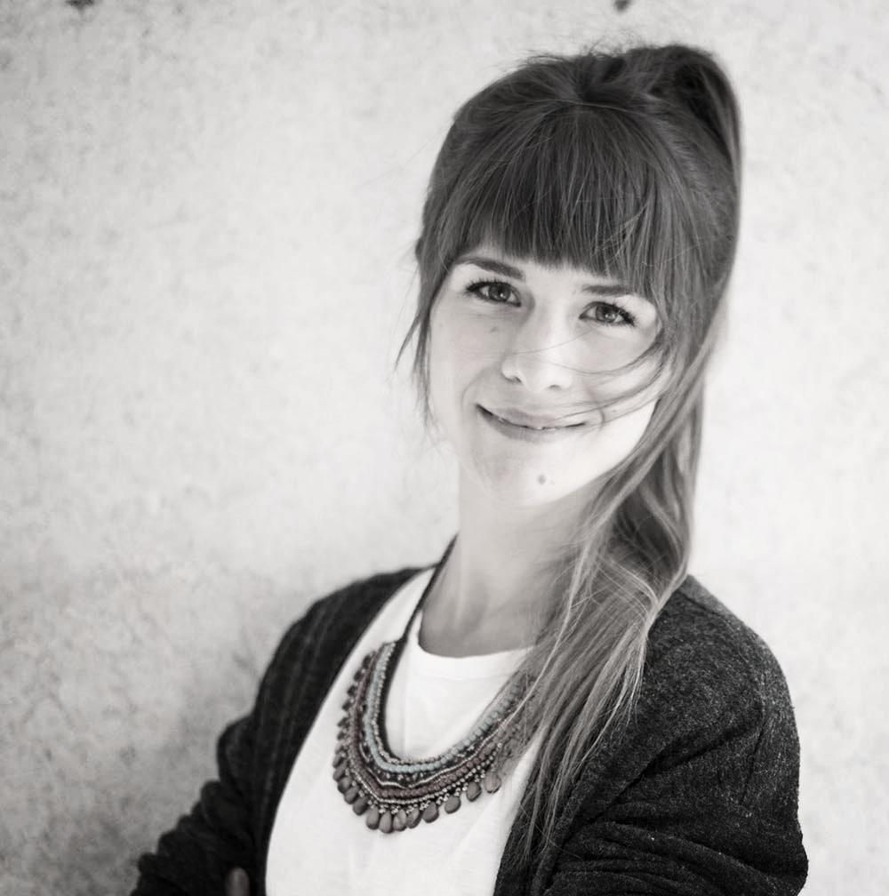 """Johanna Design und Kommunikation  """"Hinter jeder starken Idee steht eine Tasse noch stärkerer Kaffee."""" Für mich als Coffee-Junkie mit grünem Kern zeigt RECUP, wie man hippes Design, Alltagstauglichkeit und Nachhaltigkeit sinnvoll unter einen Becher bringt."""