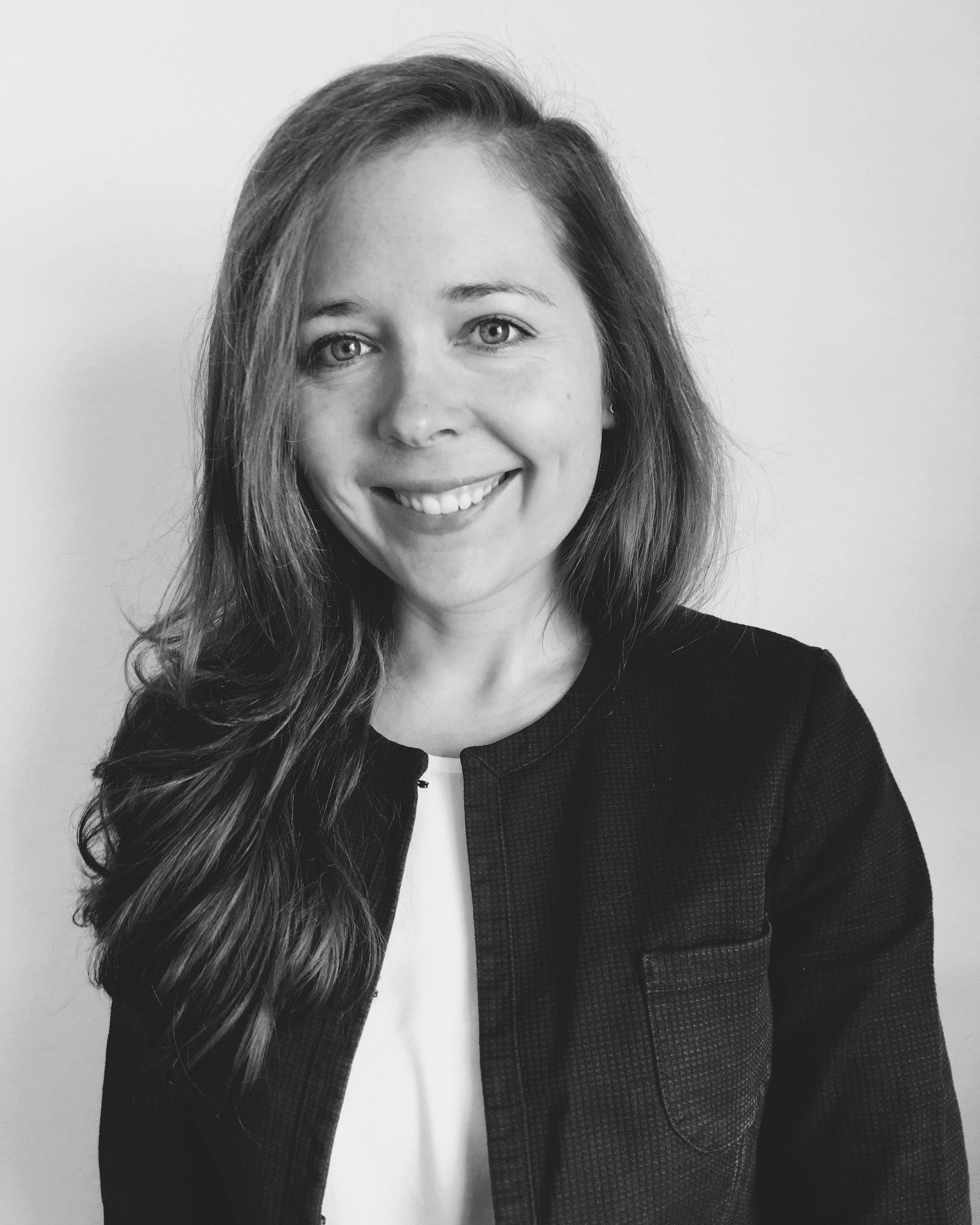 Laura Key Account  Ich liebe es Dinge zu hinterfragen, nachhaltige Ideen weiterzudenken und voranzubringen. Bei RECUP bin ich Teil eines tollen Teams und kann ein deutschlandweites Nachhaltigkeits-Netz spinnen – bis niemand mehr Pappbecher benutzt!