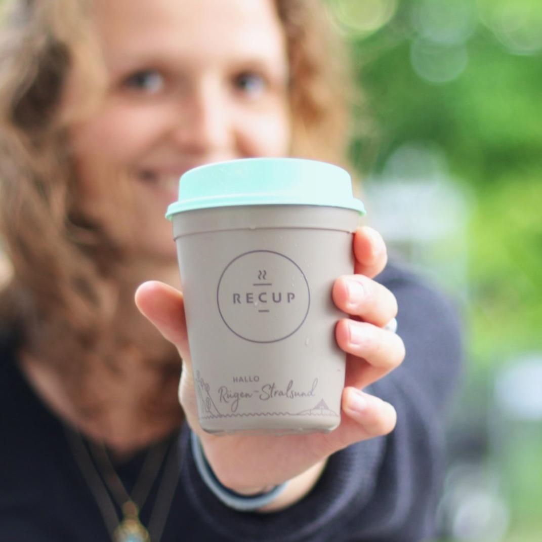 RÜGEN-STRALSUND-RECUP  HALLO Rügen-Stralsund! Eine weitere Insel, die mit einer eigenen Skyline-Edition den Kaffee im RECUP genießt - Willkommen im Pfandnetz!