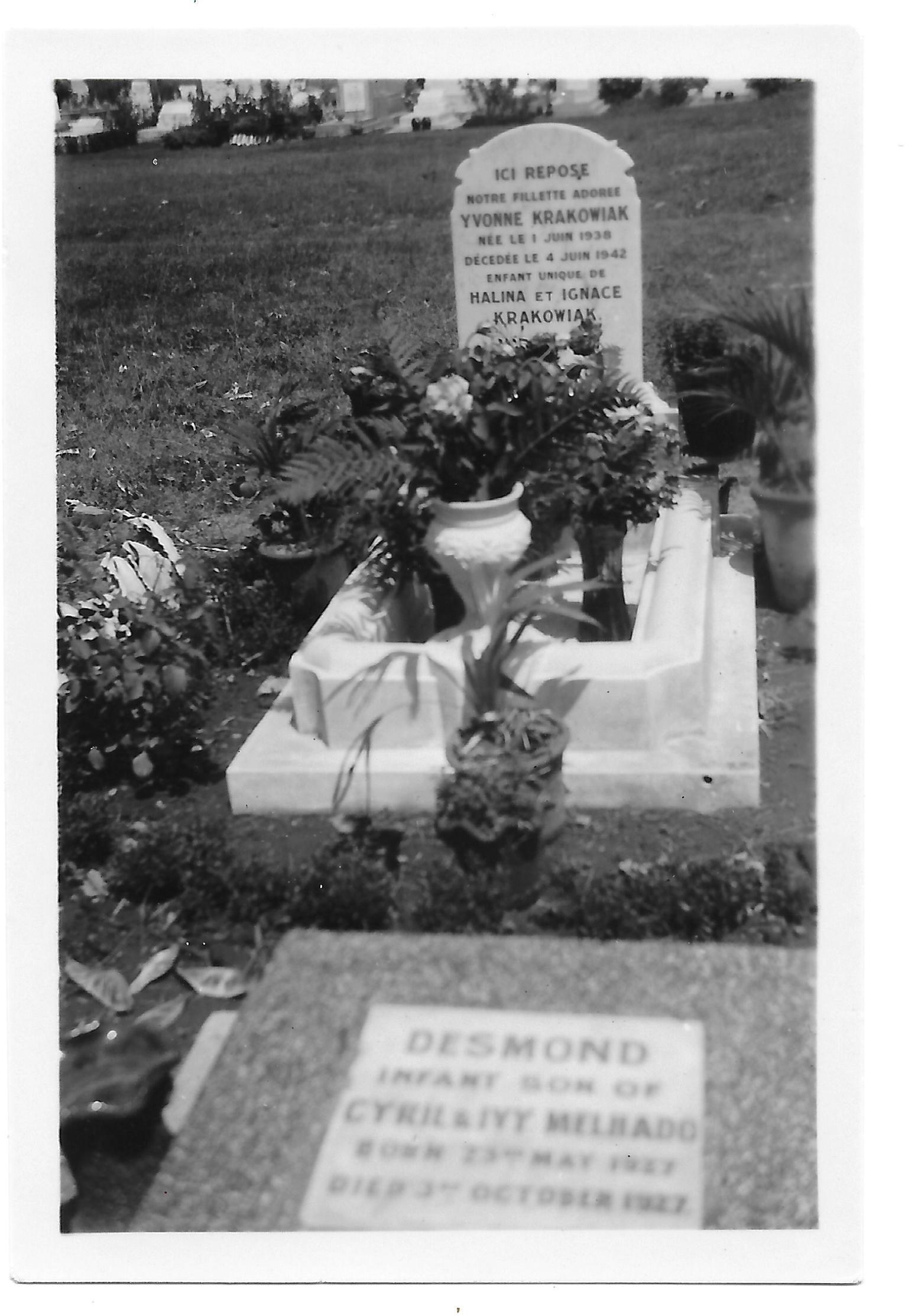 Yvonne's grave 1942.