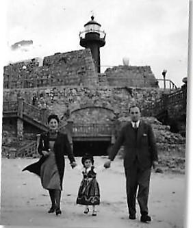 Ignas, Hala and Yvonne in her Carnival Dress Forte Santa Caterina, Figueira da Foz, 1941