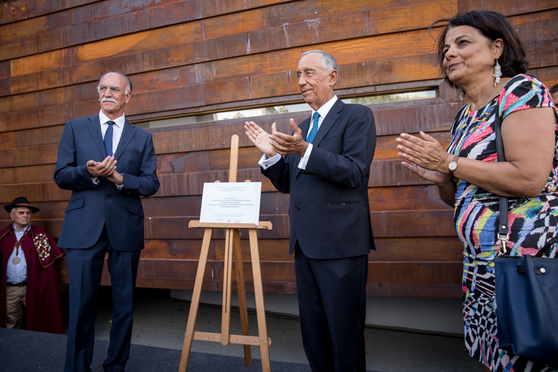 l. to R. Mayor Almeida. President Marcel Rebelo de Sousa and Architeca and Curator Luisa Pacheco Marques
