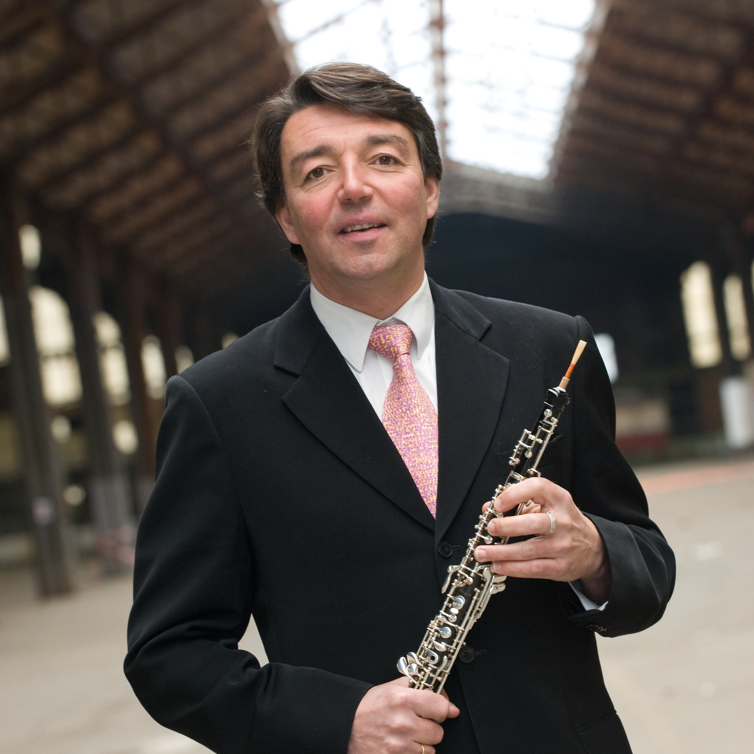Thierry Cammaert   Teacher at the academies of Ixelles, Uccle, Watermael-Boitsfort and Nivelles.  Teacher of methodology of oboe at the Conservatoire Royal de Bruxelles and at the IMEP in Namur.  First Prize-winner of oboe and English horn at the Koninklijk Conservatorium Brussel (Paul Dombrecht), first prize-winner of chamber music. Member of the ensemble 'Qwartz'.  Records CDs. Performs with various groups and orchestras, (Vlaams Radio Orkest, Chamber Orchestra of Wallonia, Musiques Nouvelles, Philharmonic Orchestra of Liège, rock band Venus). He records for Jofroi, G. Montagné, Miam Monster Miam, Line Adam, Photis Ionatos … This eclecticism makes him travel within the European community, in Eastern Europe, China, South Korea, Africa (Togo, Benin, Tanzania, Kenya), Canada and the U.S.A.