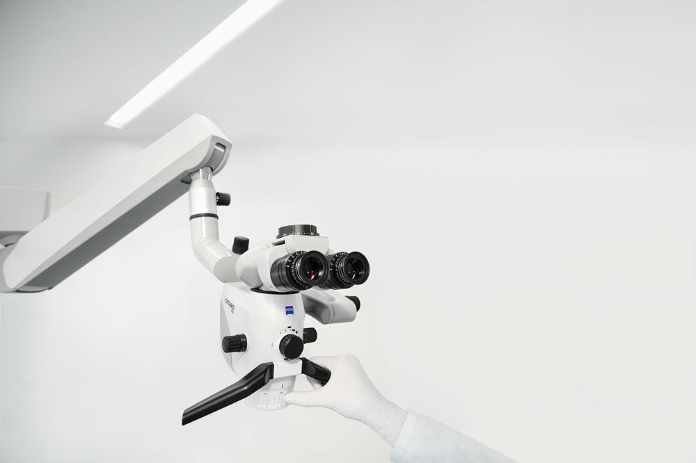 Das neue Zeiss Extaro 300 setzt neue Massstäbe in der Dentalmikroskopie