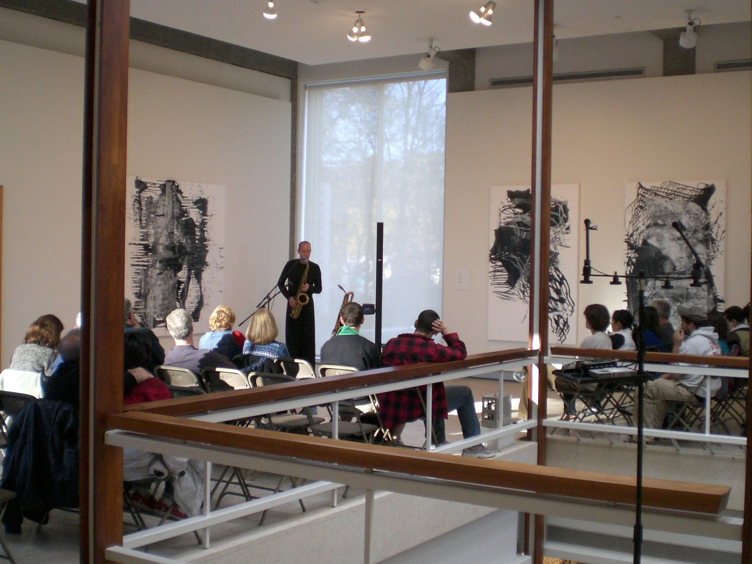 Solo Looping Show • Rose Musuem