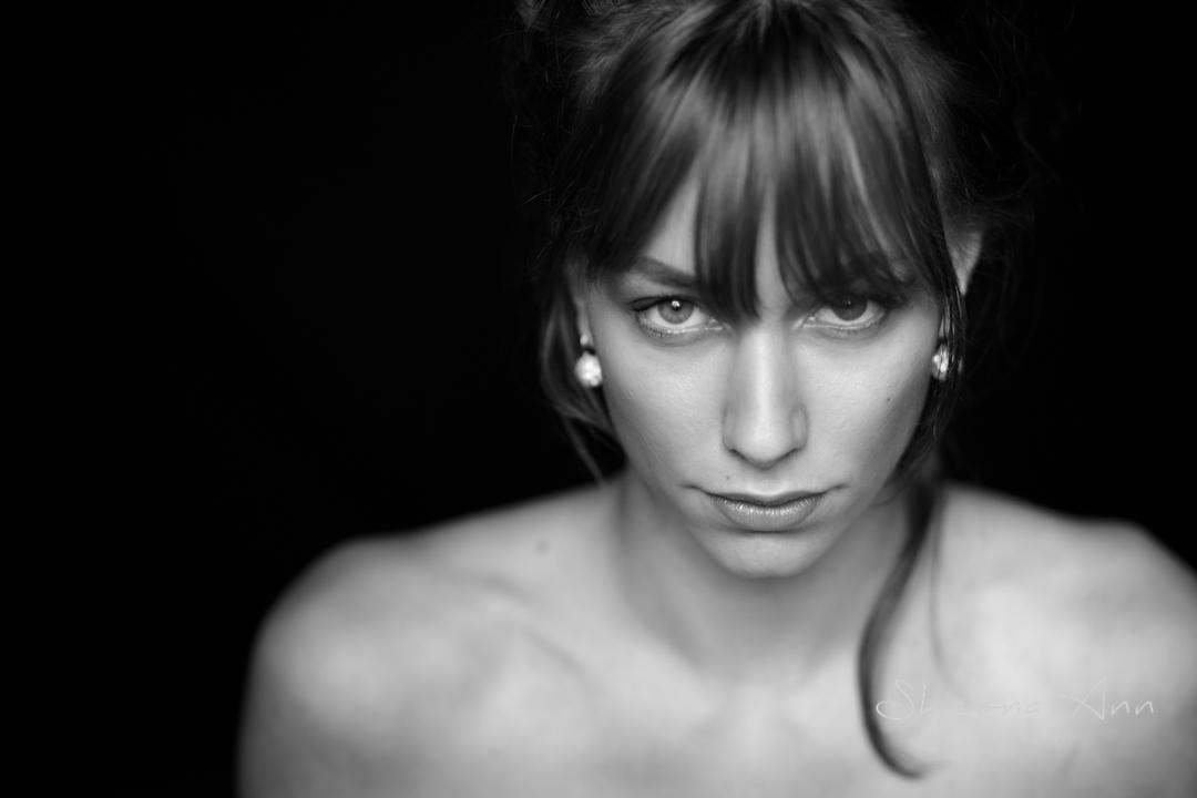pretty_woman_BW_portrait_Sheona-Ann-photography-AA_BW (1 of 1)-3.jpg