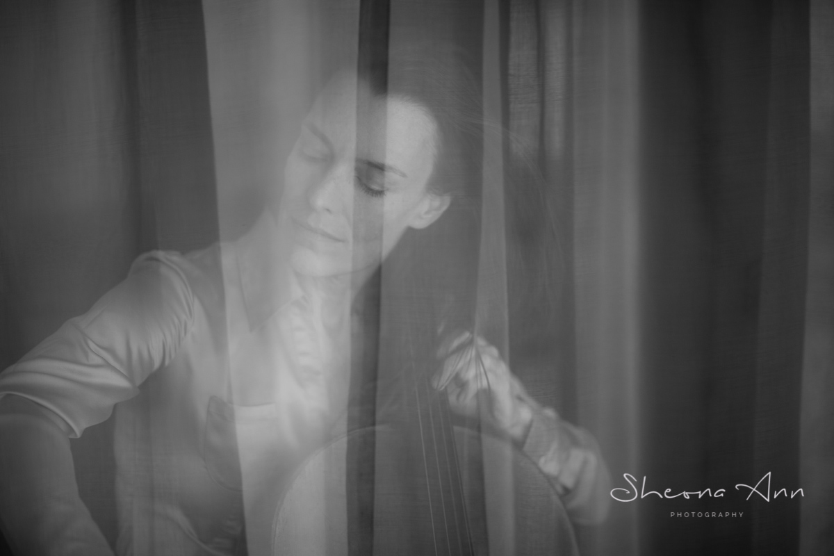 Eva-BOECKER-Cello-bw-portrait-sheona-ann-photography (15 of 15).jpg