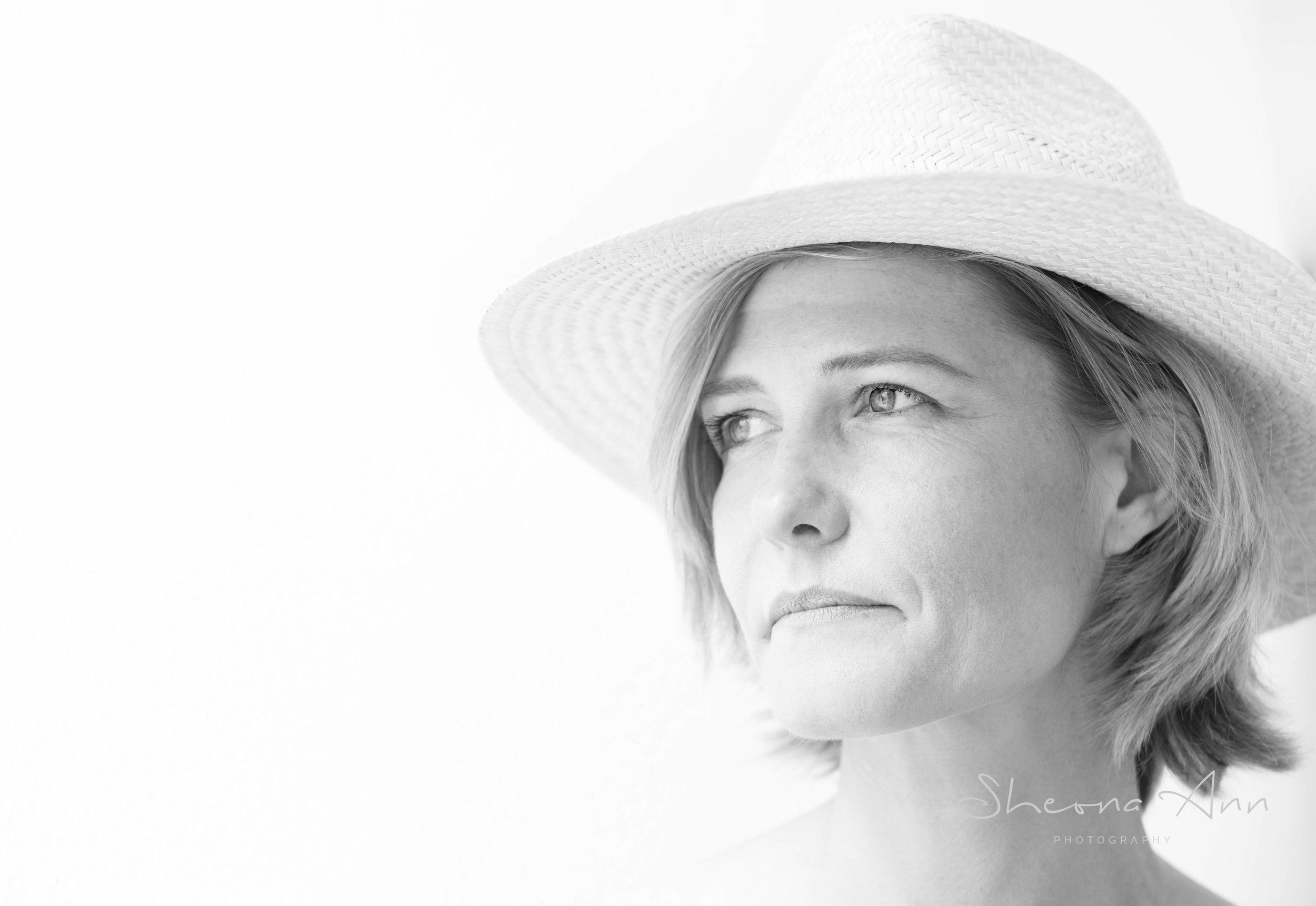 pretty-woman-hat-bw-portrait-highkey-Sheona-Ann-Photography (1 of 1).jpg