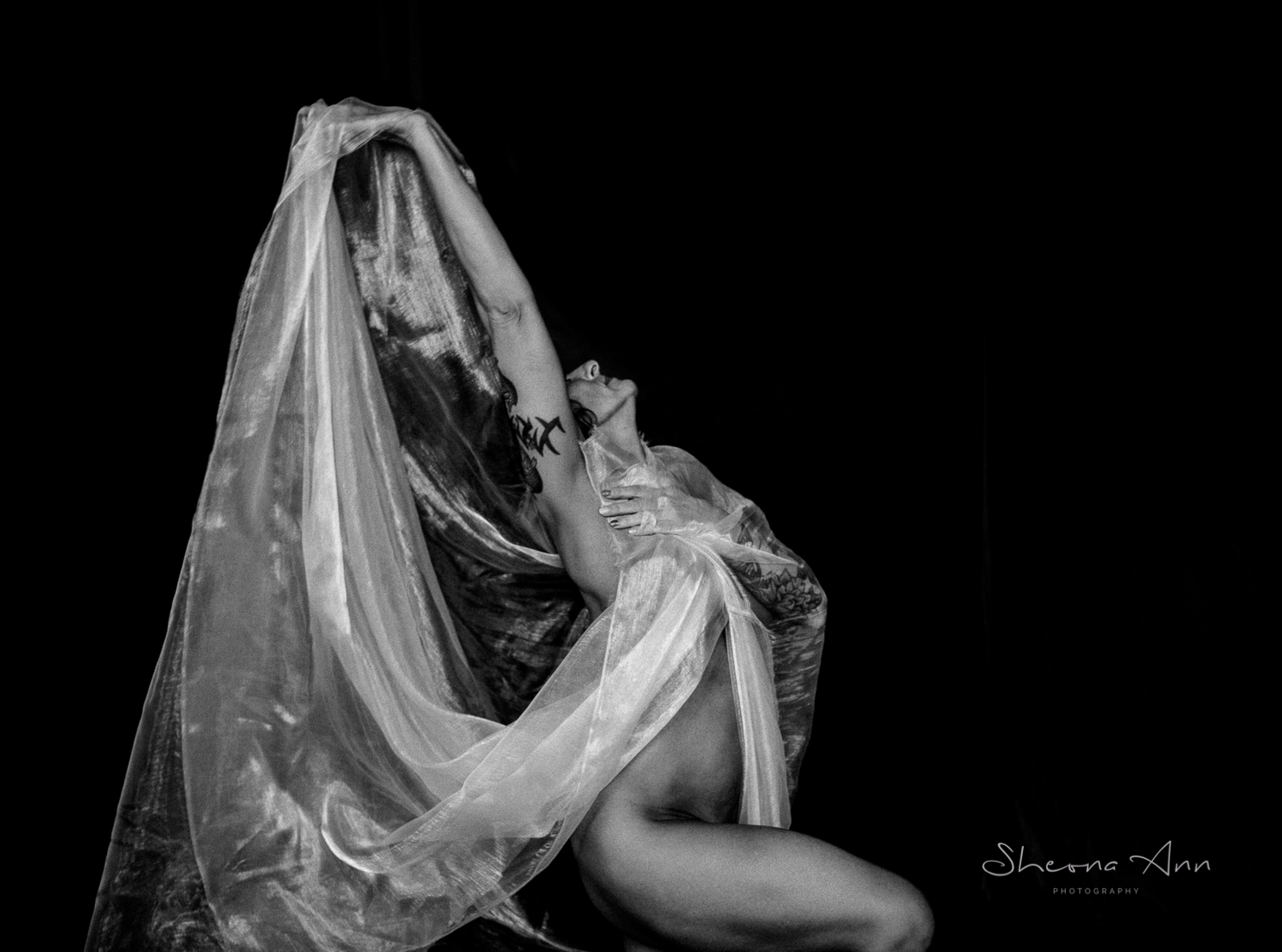 Vanessa-yoga-bw-Sheona-Ann-Photography (28 of 41).jpg