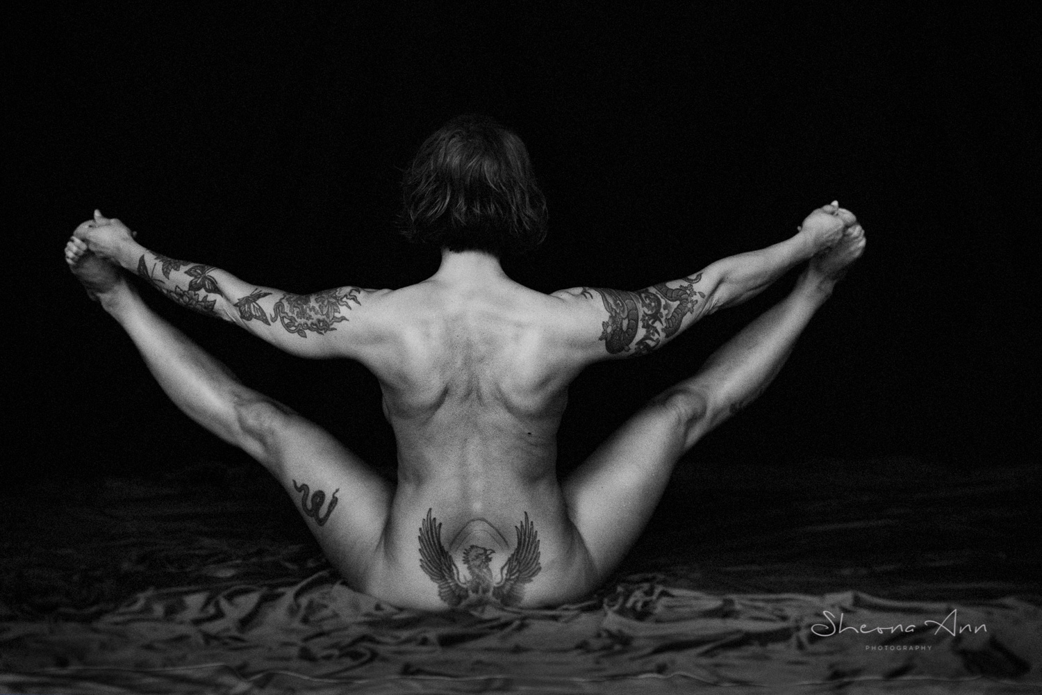 Vanessa-yoga-bw-Sheona-Ann-Photography (36 of 41).jpg