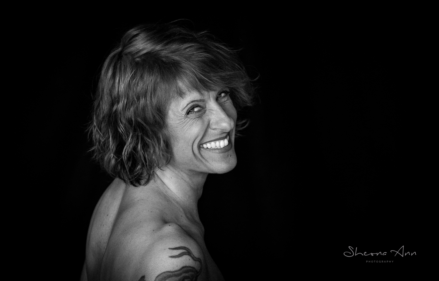 Vanessa-Bora-yoga-bw-Sheona-Ann-Photography (34 of 41).jpg