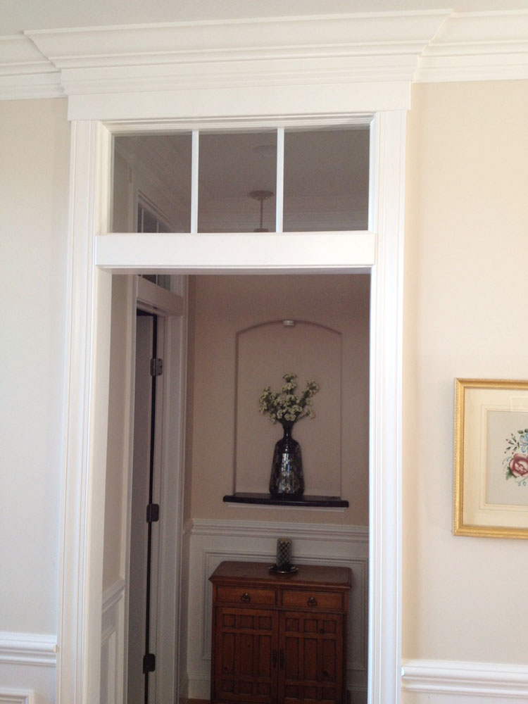 Transom-over-bedroom-entry.jpg