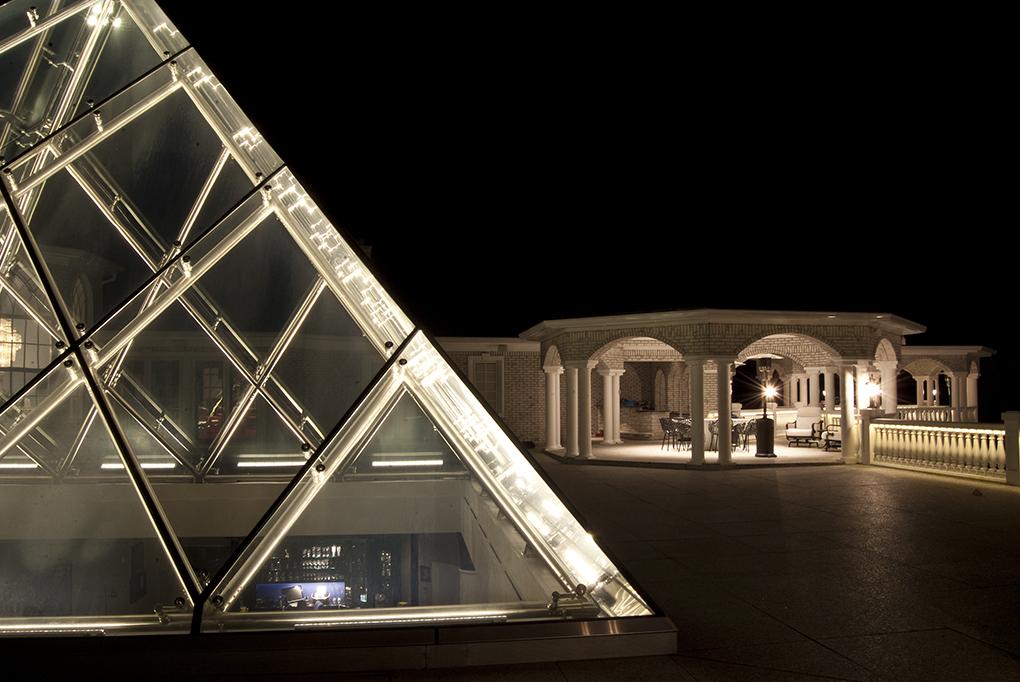Pyramid5_Large.jpg