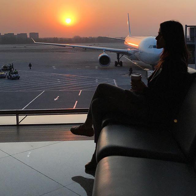 Flashback to this beautiful Shanghai sunrise 🇨🇳🌞! - - - - #fbf #flashbackfriday #flashback #travelgram #mytravelgram #china #shanghai #instagood #instadaily #instalove #instatravel #exploring #exploretheworld #globetrotting #iphonesia #iphoneography #travelblogger #travelblog #blogger #thespottedbannana