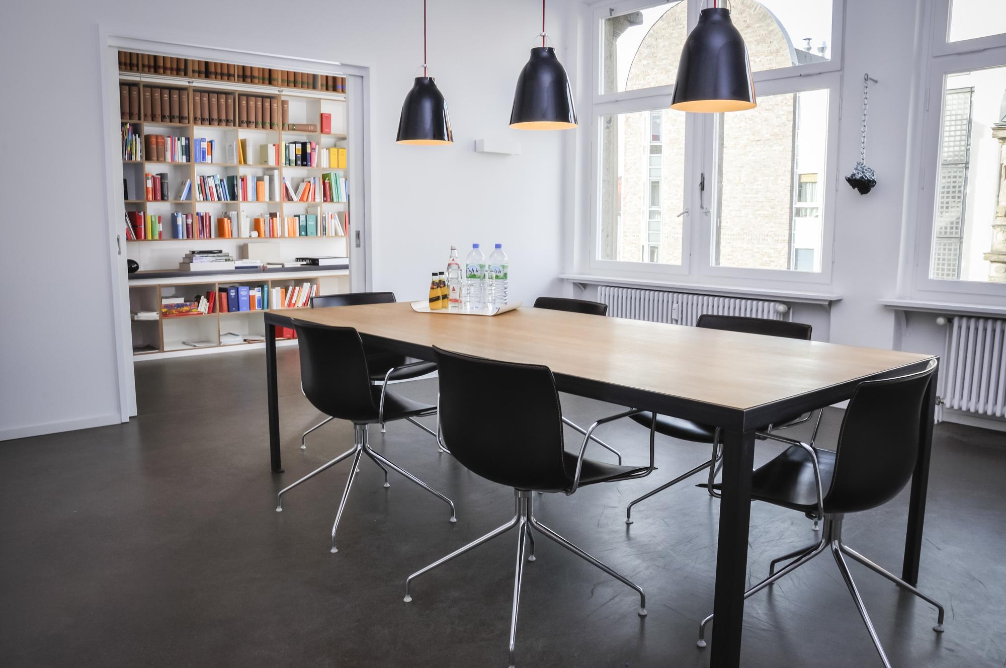 Office Lippert v.Raggamby