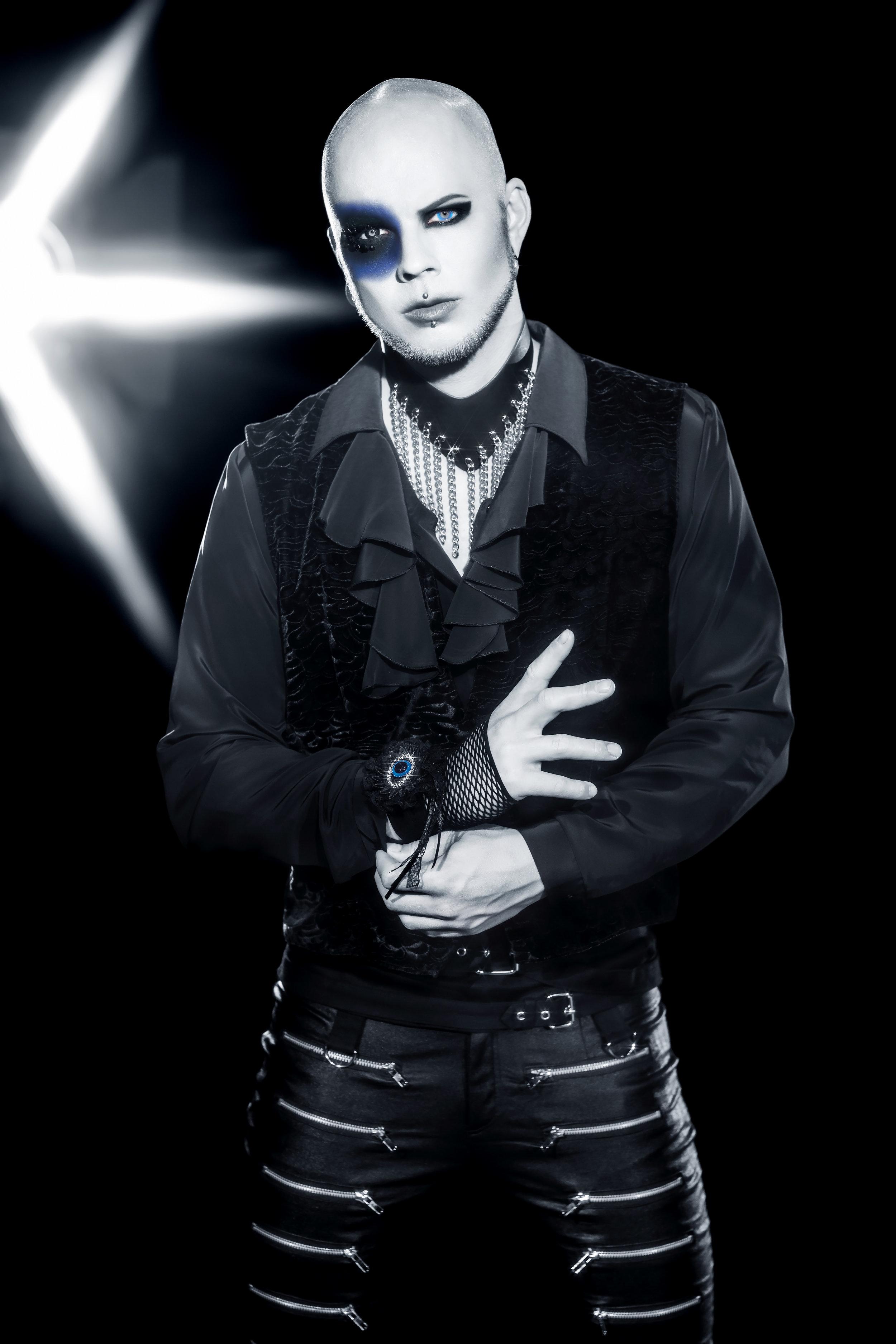 BatAAr Under isen Tobias.jpg
