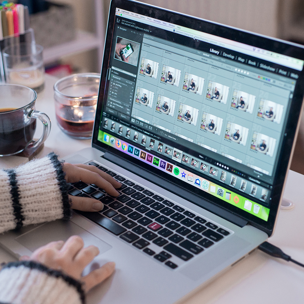 3. Images - You will get 60 images from your session (that's 12 weeks worth of content from one session!) to use however you'd like: social media, website, blog, whatever you need - you have full usage rights to these images (No credit is needed!). The best part? You also have the right to edit them as you need to match your brand!!