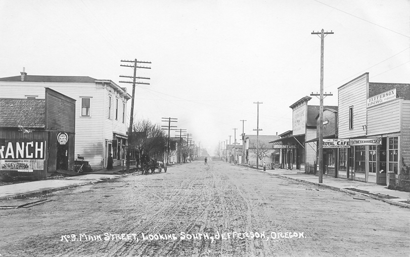 goin 6c main st looking south to rr.jpg