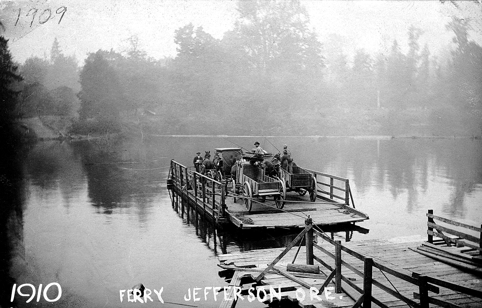 FERRY1~1wagons.JPG