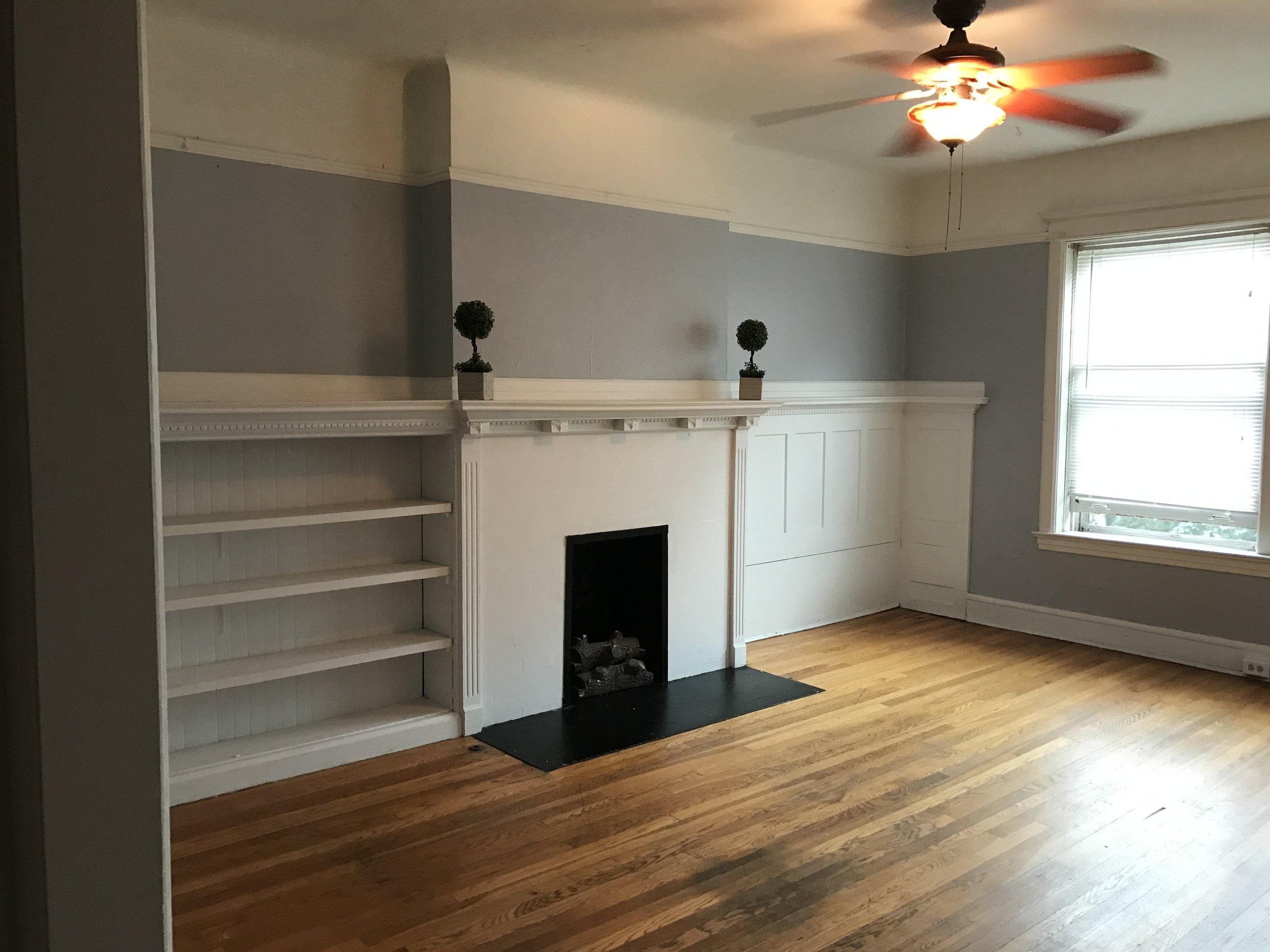 2545 3 living room.jpg
