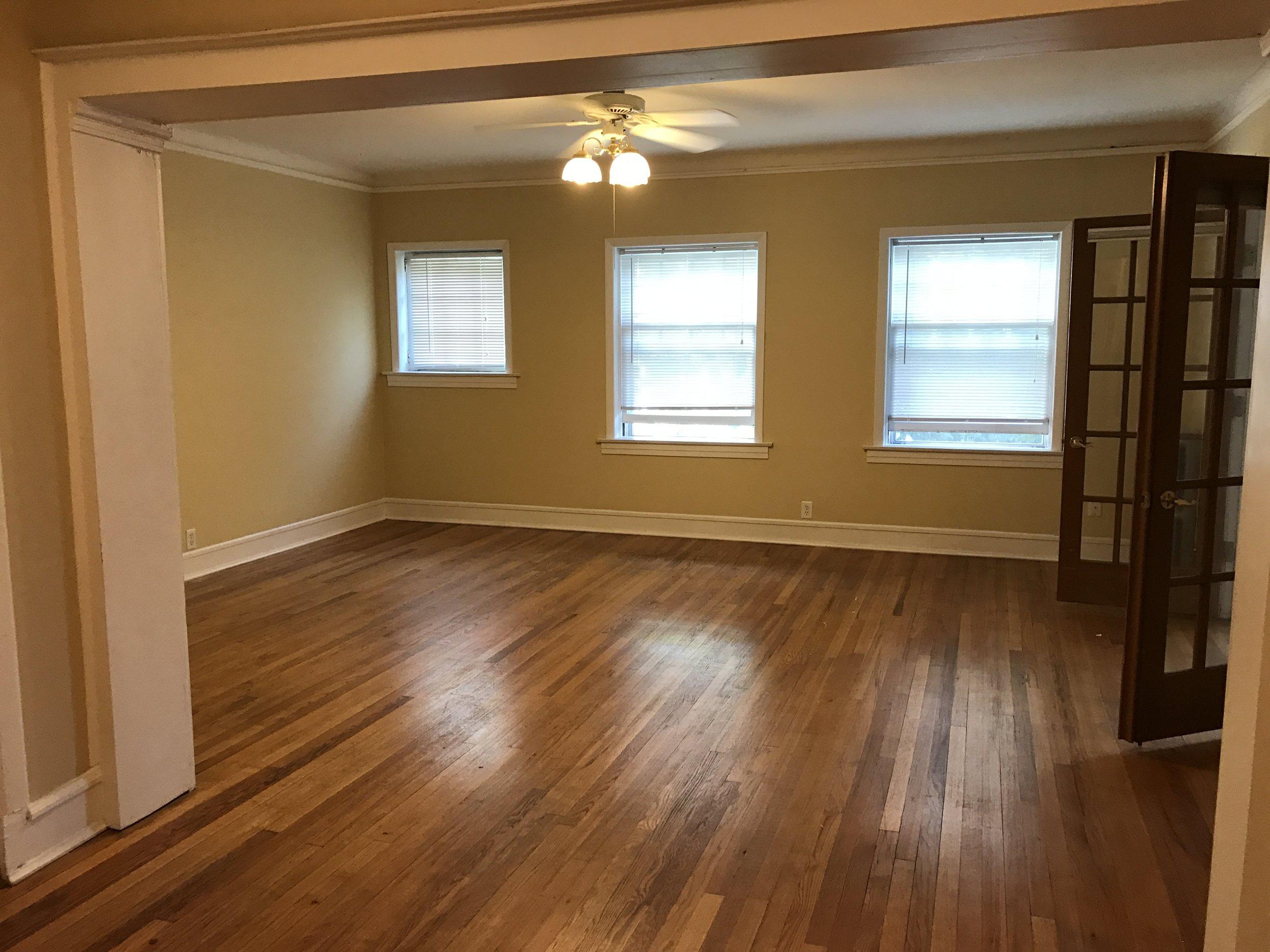 2314 C living room 2.jpg
