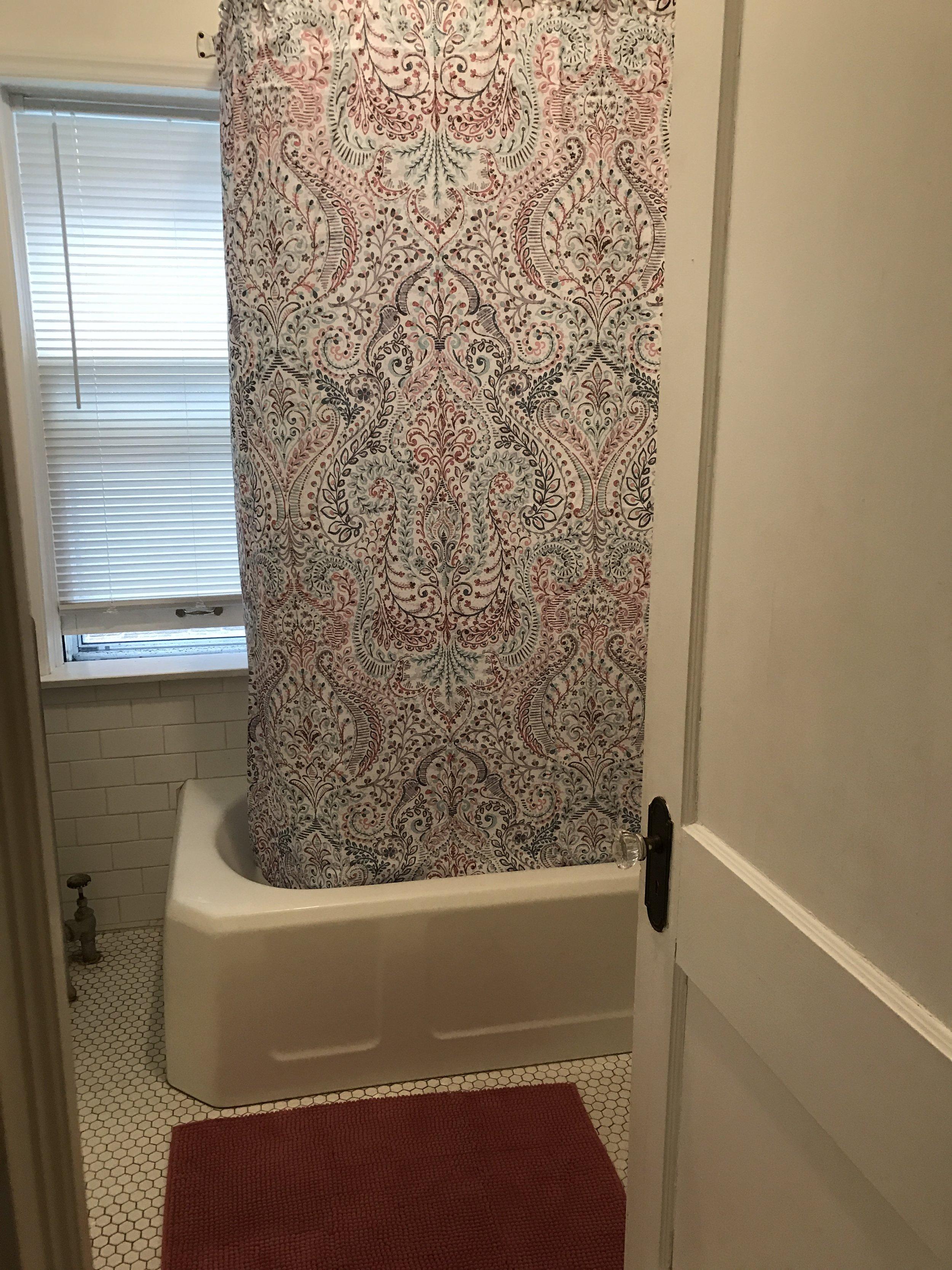 2314 C bathroom.jpg