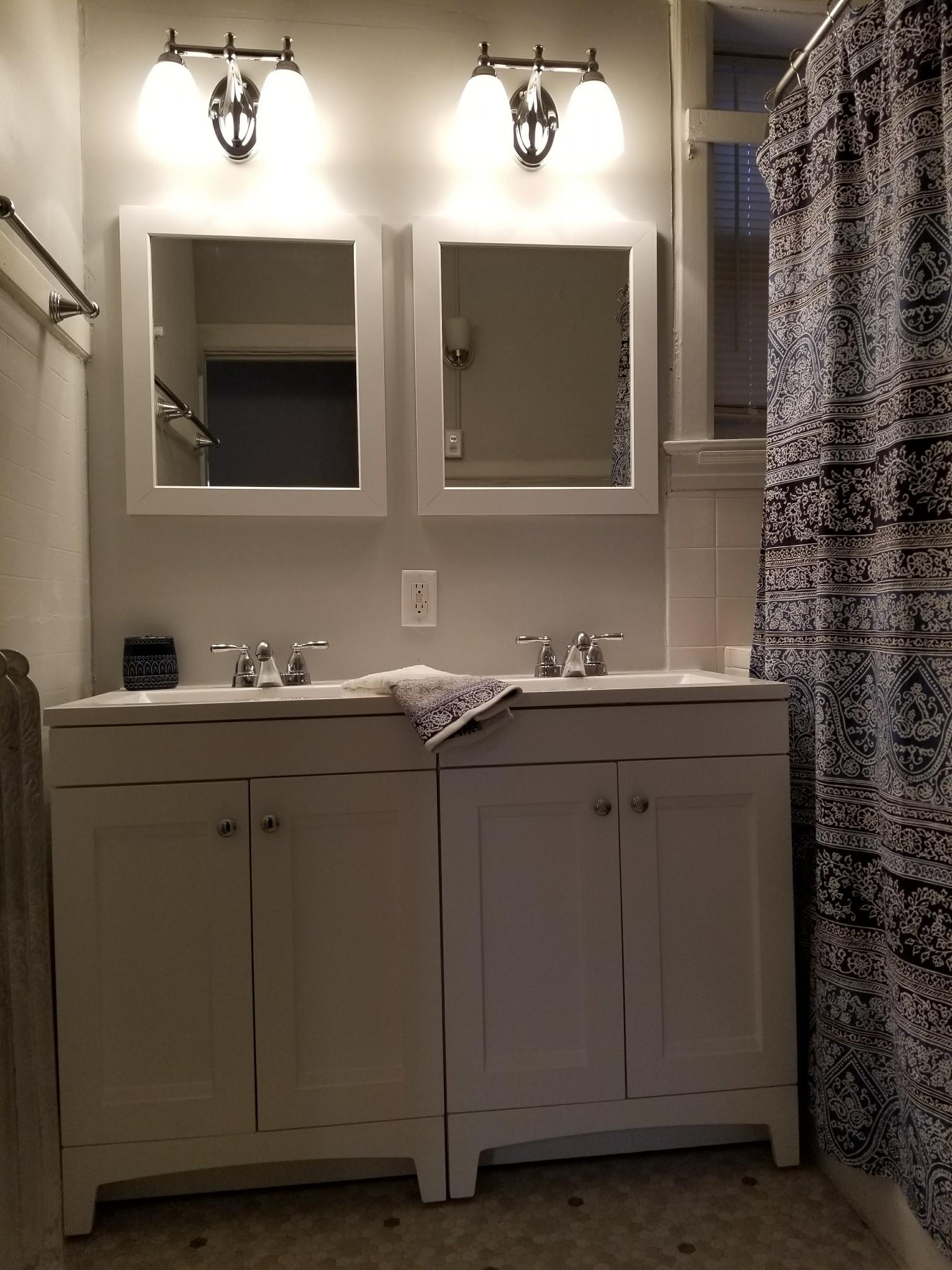 2545-3 bathroom #2.jpg