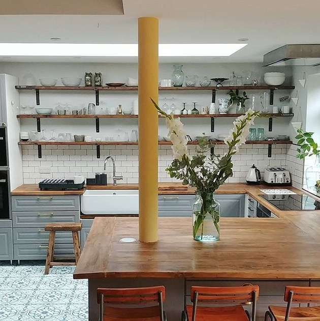 simplythenest open kitchen shelves