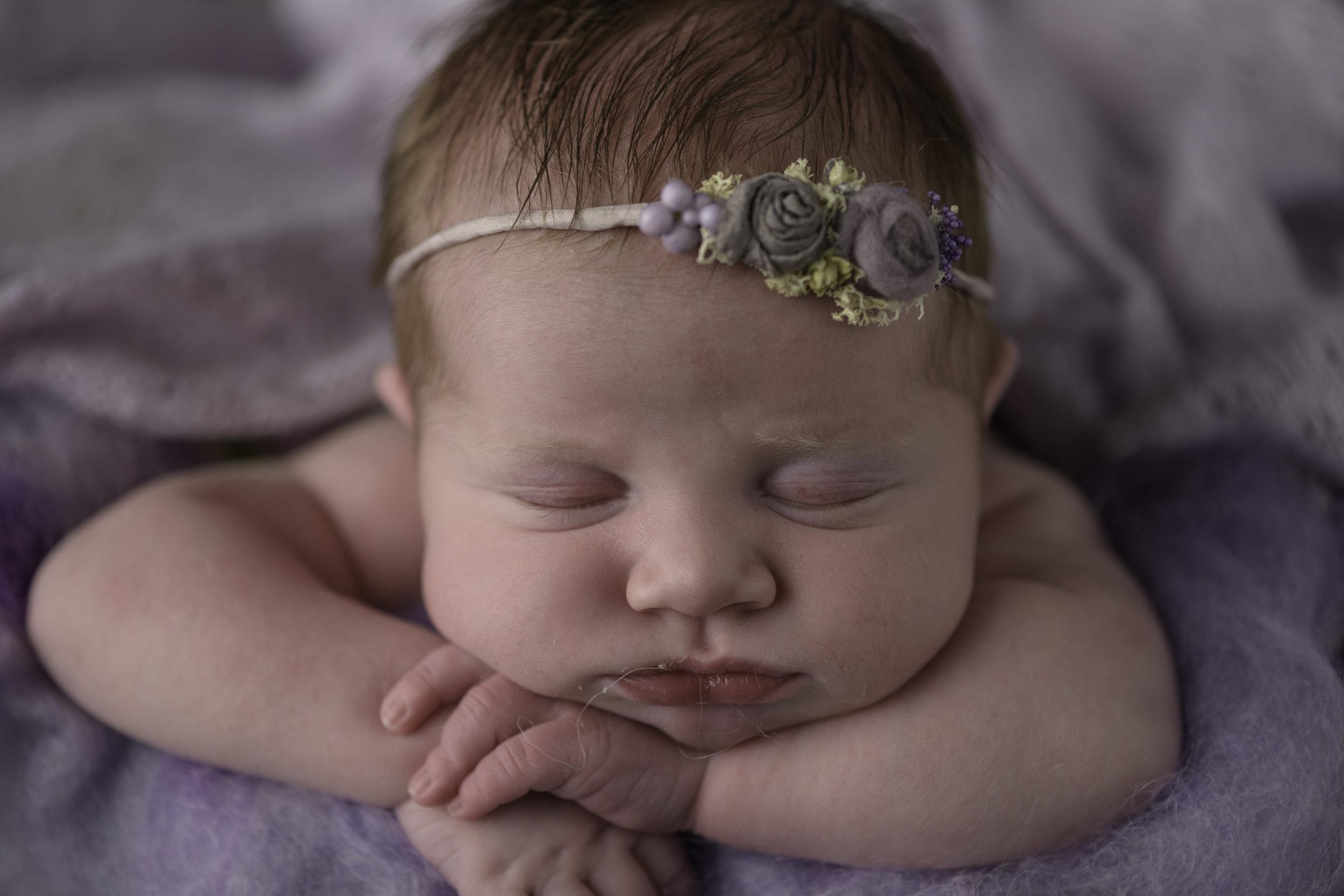 afterEdittique_0233Felts_Newborn.jpg