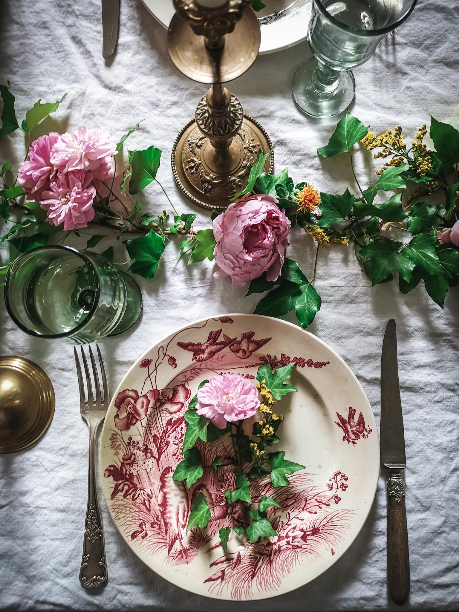 miss-maggies-kitchen-table-decorjpeg