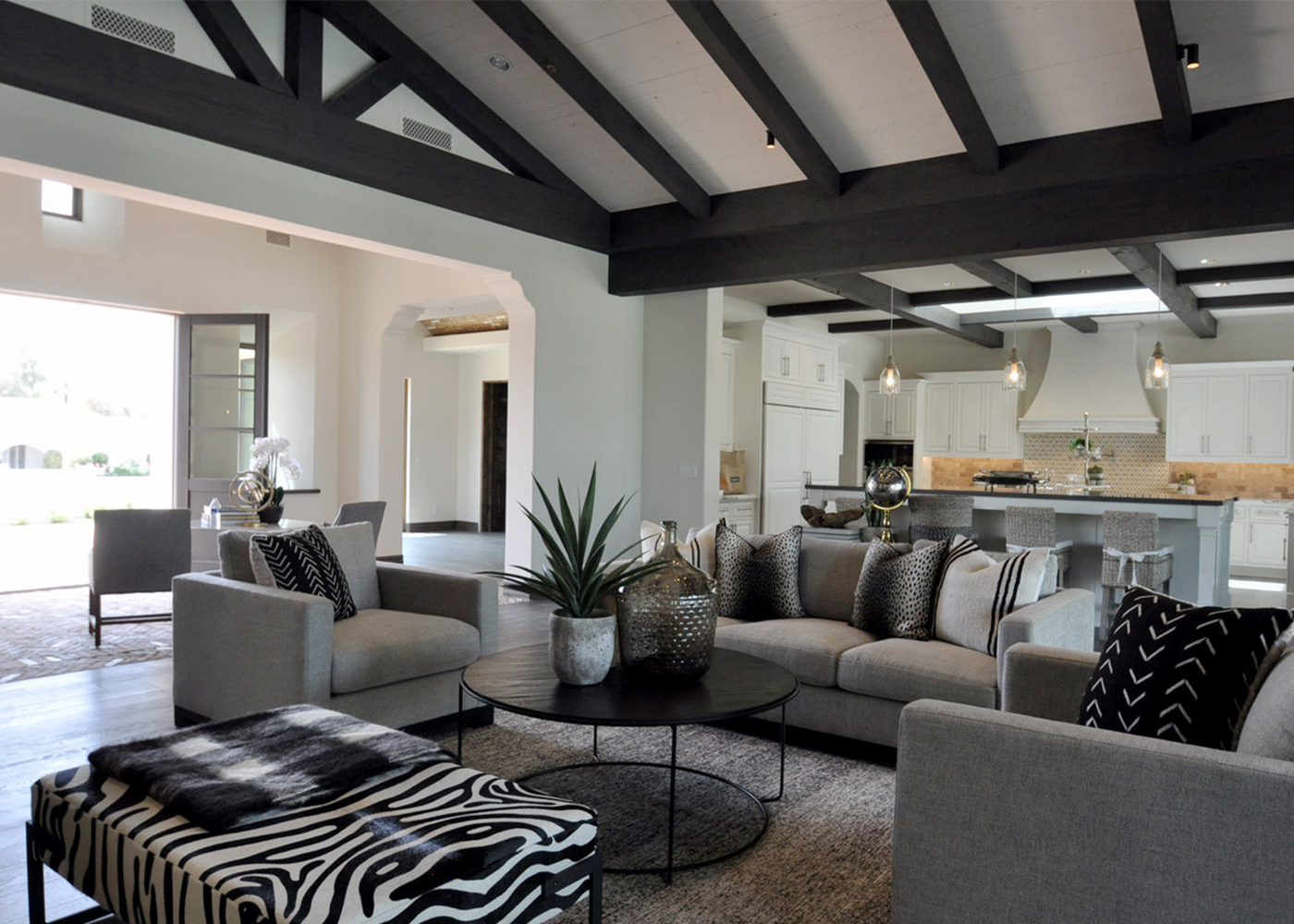 bungalow-furniture-paradise-valley-styling-living-room.jpg