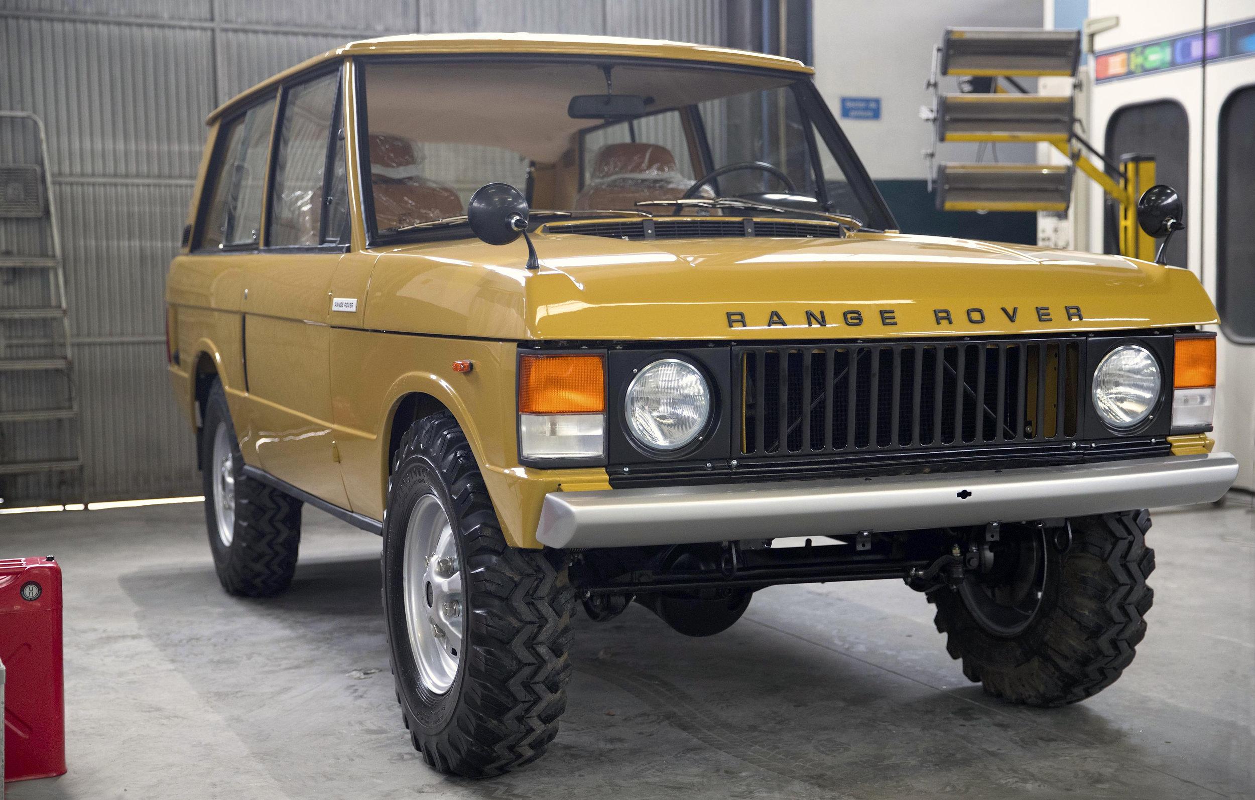 LegacyOverland_1973_RangeRover_shop4.jpg