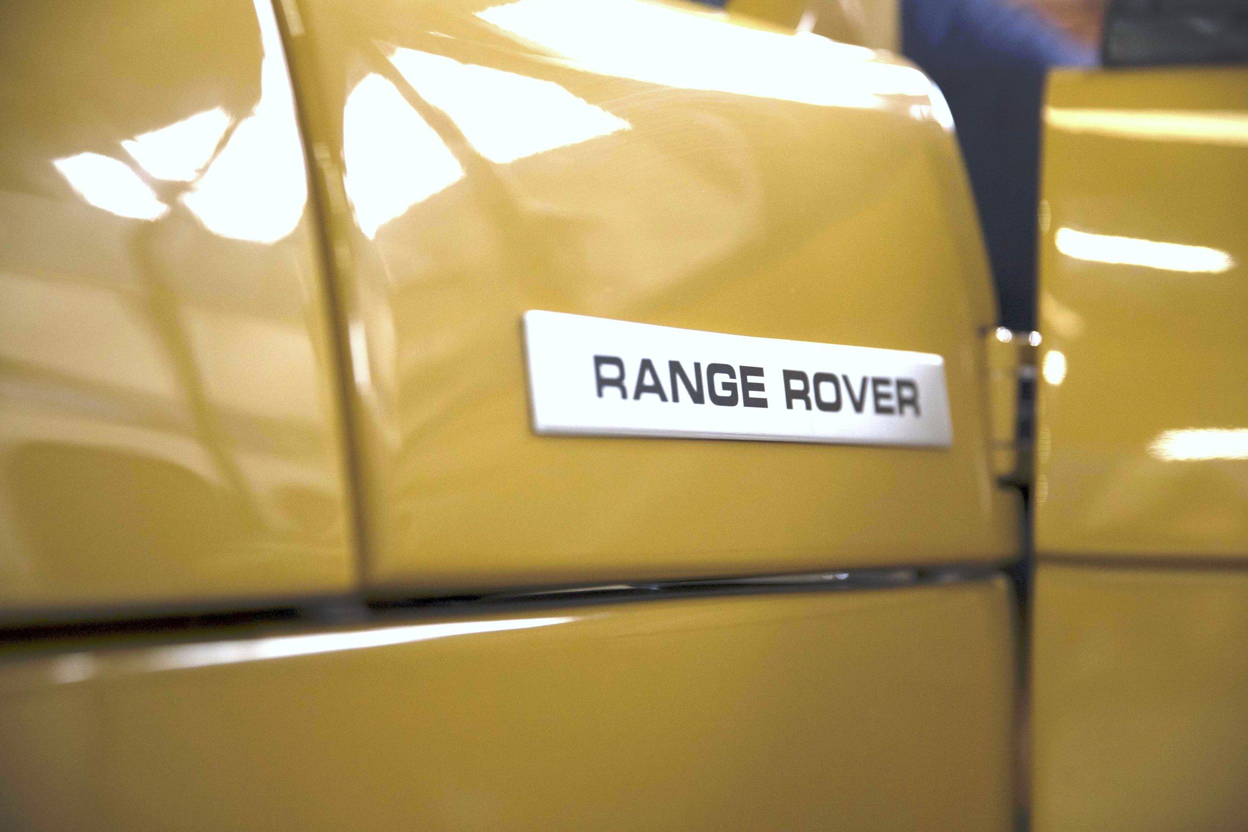 LegacyOverland_1973_RangeRover_shop1.jpg